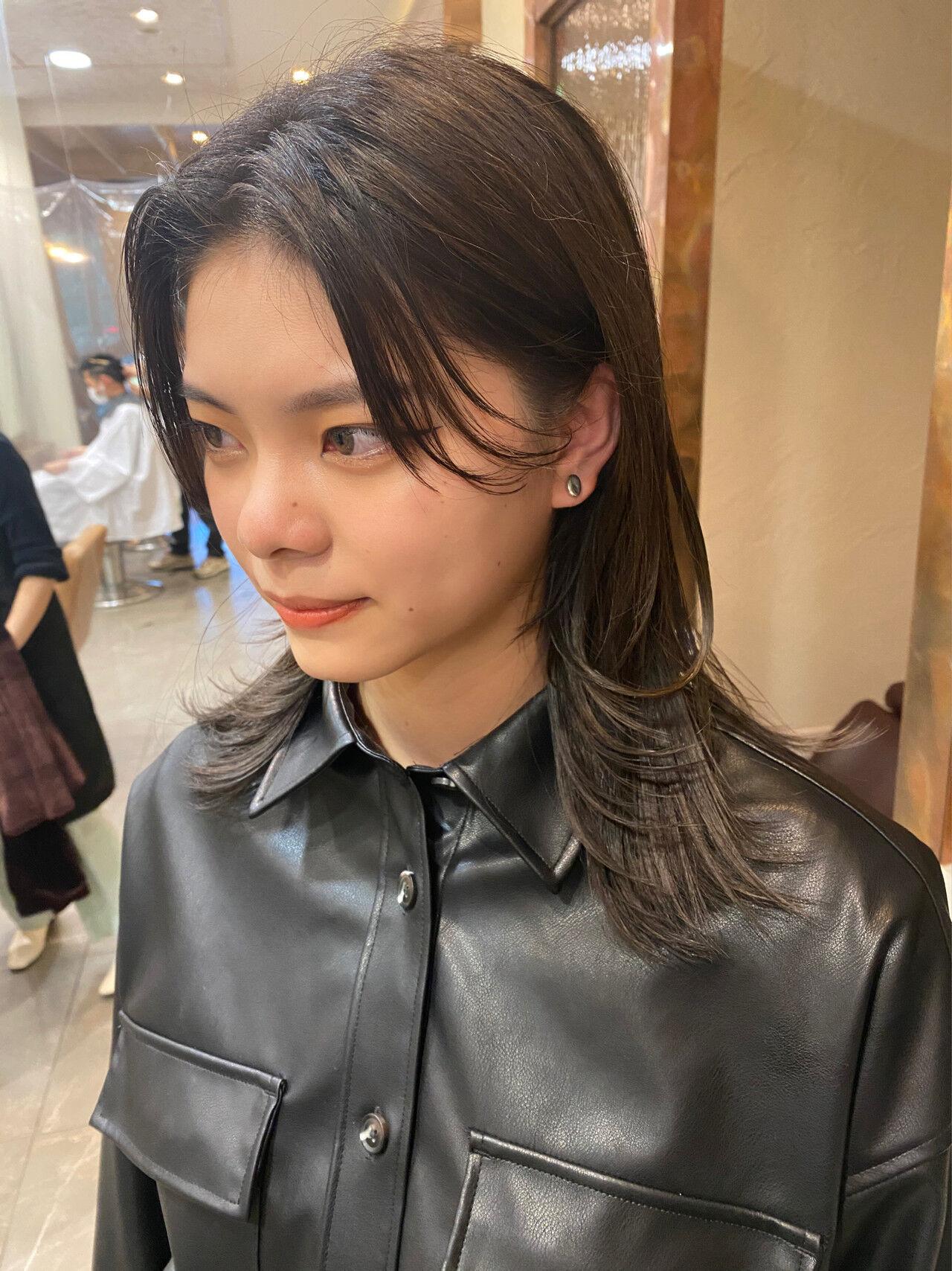モード ウルフカット ウルフ女子 ミディアムヘアスタイルや髪型の写真・画像