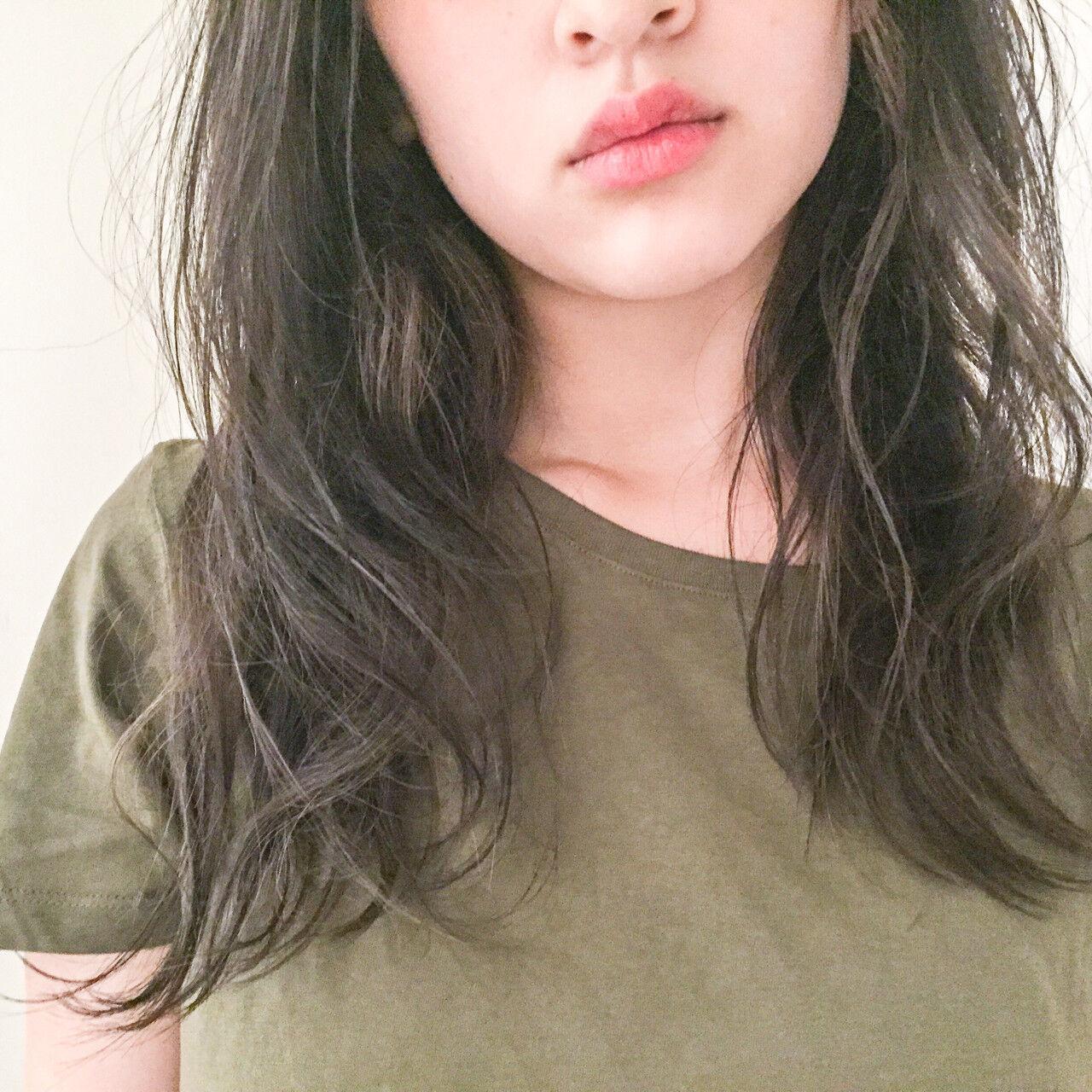 グラデーションカラー セミロング 外国人風 アッシュヘアスタイルや髪型の写真・画像