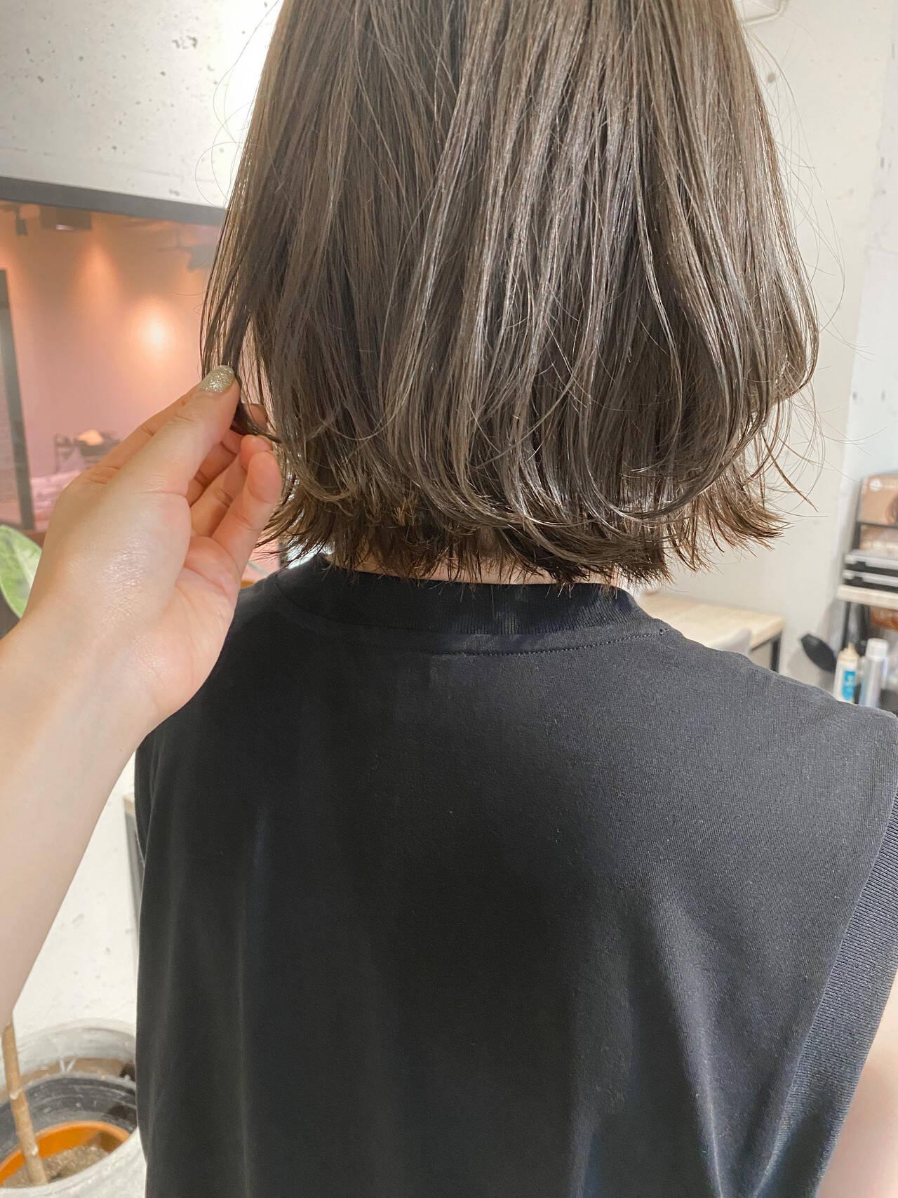 ナチュラル ブルージュ 暗髪 ベージュヘアスタイルや髪型の写真・画像