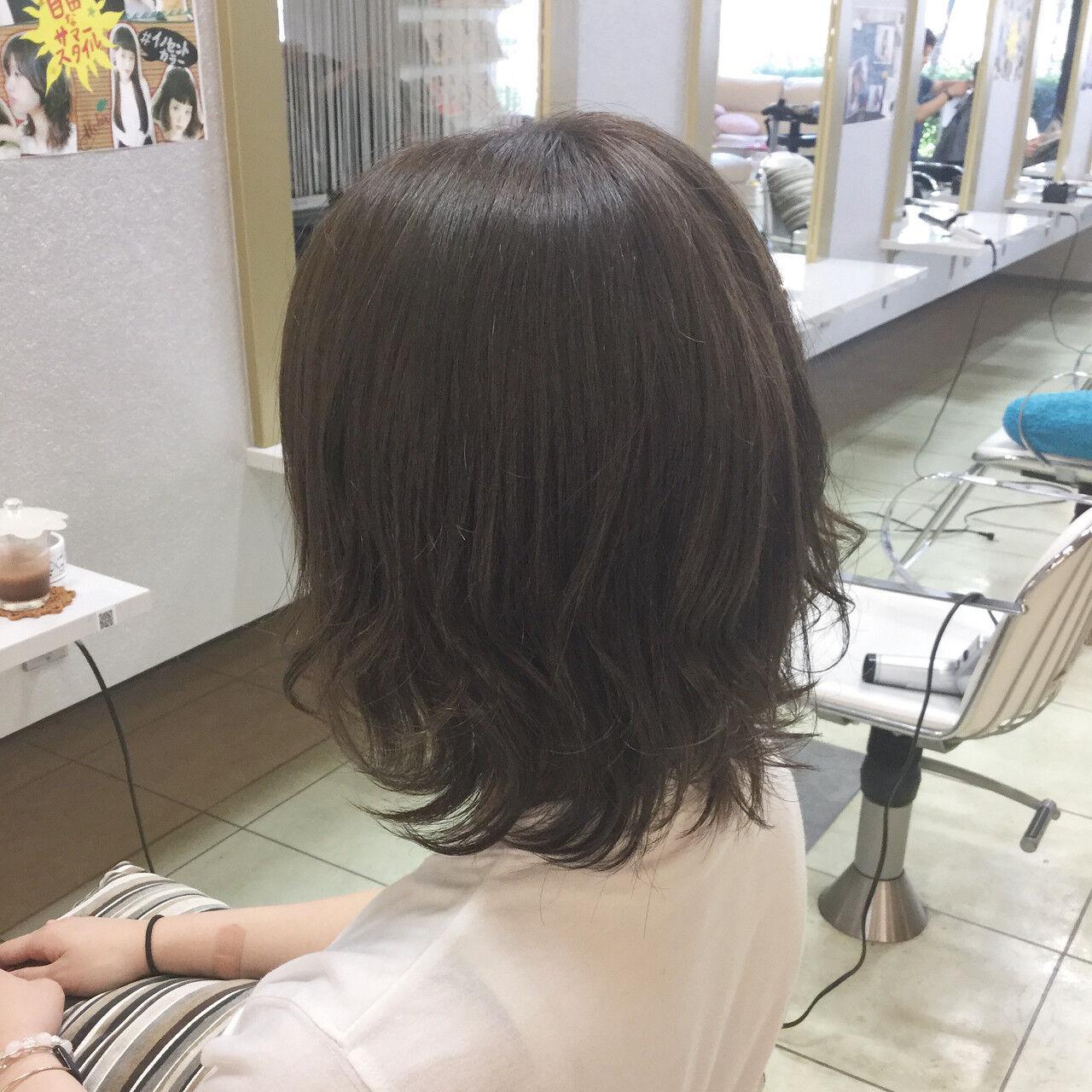 アウトドア 外ハネ 外国人風 ストリートヘアスタイルや髪型の写真・画像