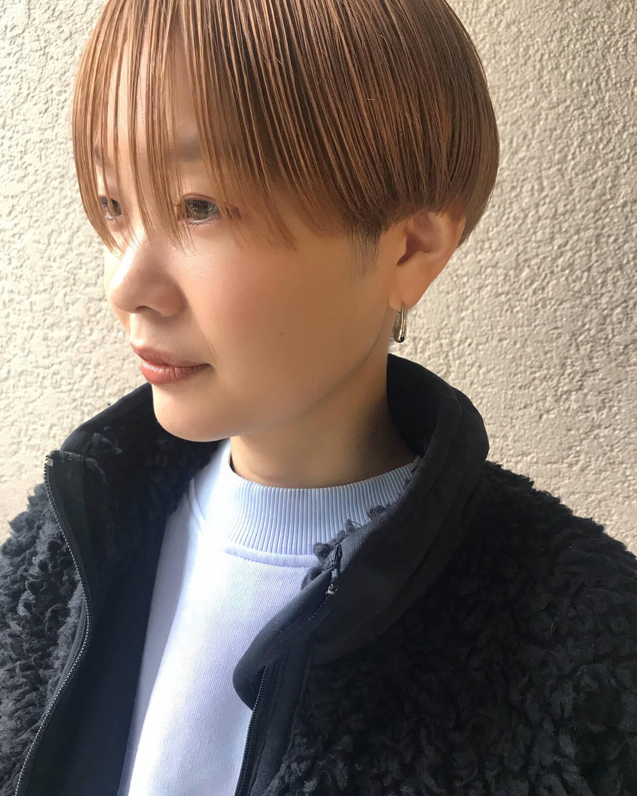 ブリーチオンカラー ショートボブ ハンサムショート ショートヘアスタイルや髪型の写真・画像