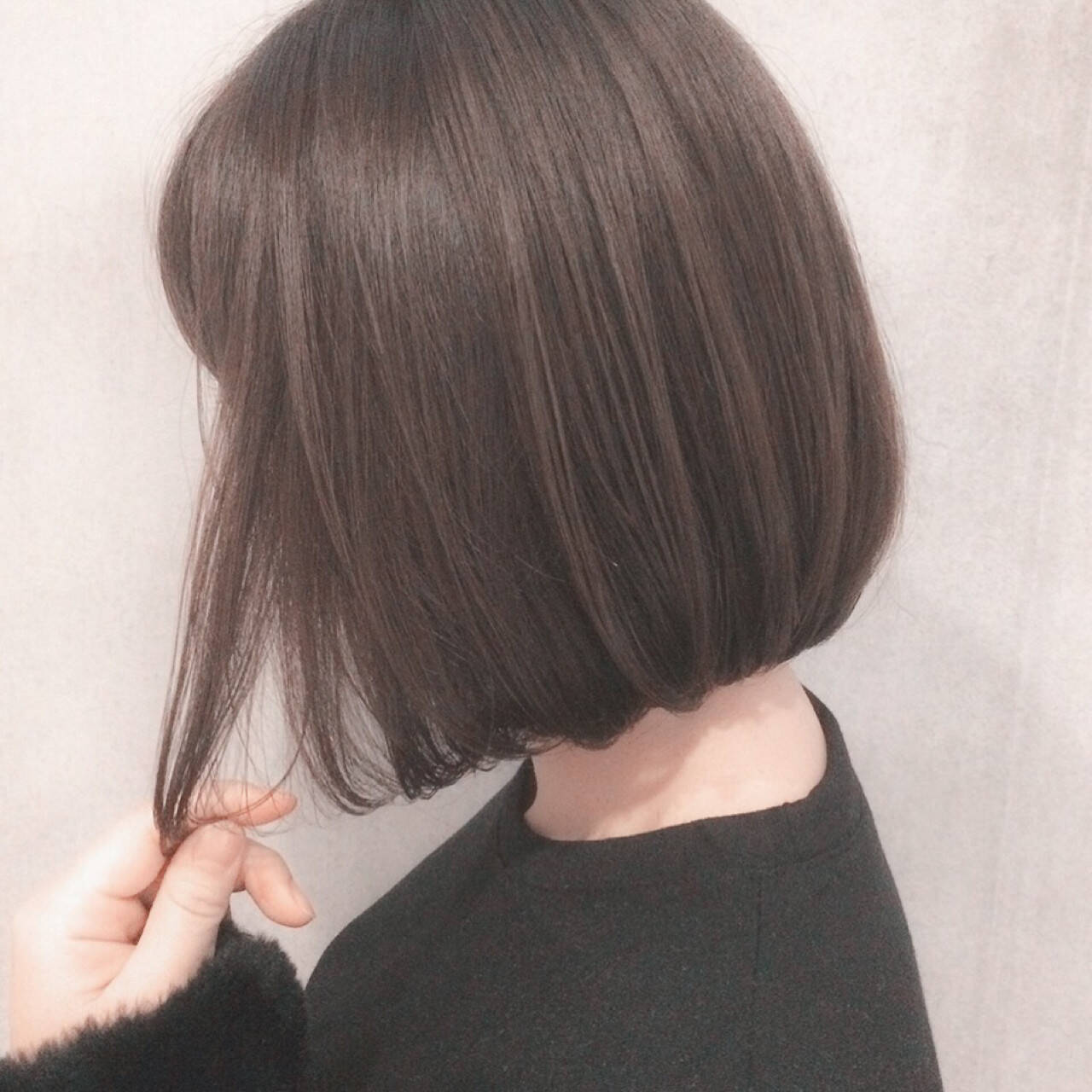 イルミナカラー 前下がり ボブ ナチュラルヘアスタイルや髪型の写真・画像
