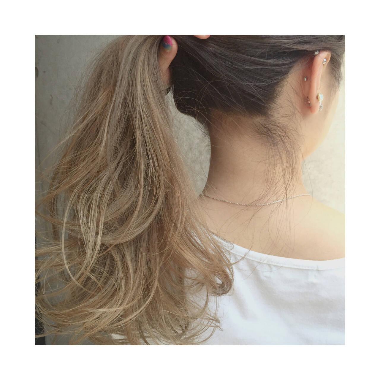 アッシュベージュ アッシュ ハイライト グラデーションカラーヘアスタイルや髪型の写真・画像