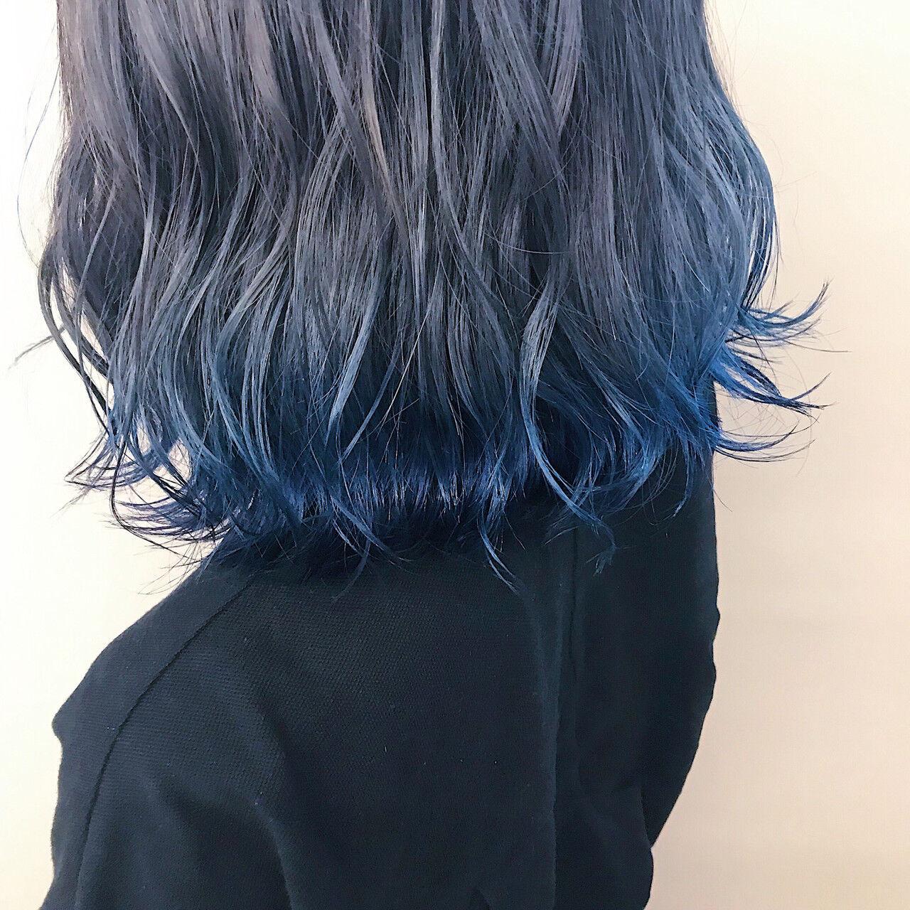 ブルーアッシュ ダブルカラー 裾カラー ボブヘアスタイルや髪型の写真・画像