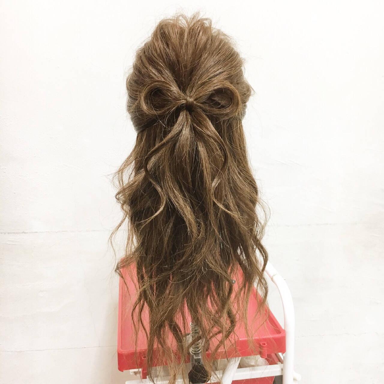 フェミニン ヘアアレンジ ロング ハーフアップヘアスタイルや髪型の写真・画像