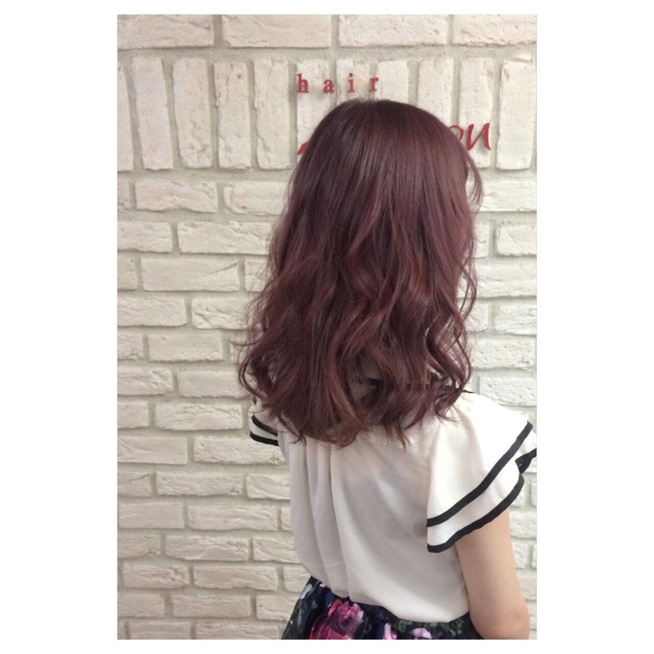ガーリー ピンク セミロング レッドヘアスタイルや髪型の写真・画像
