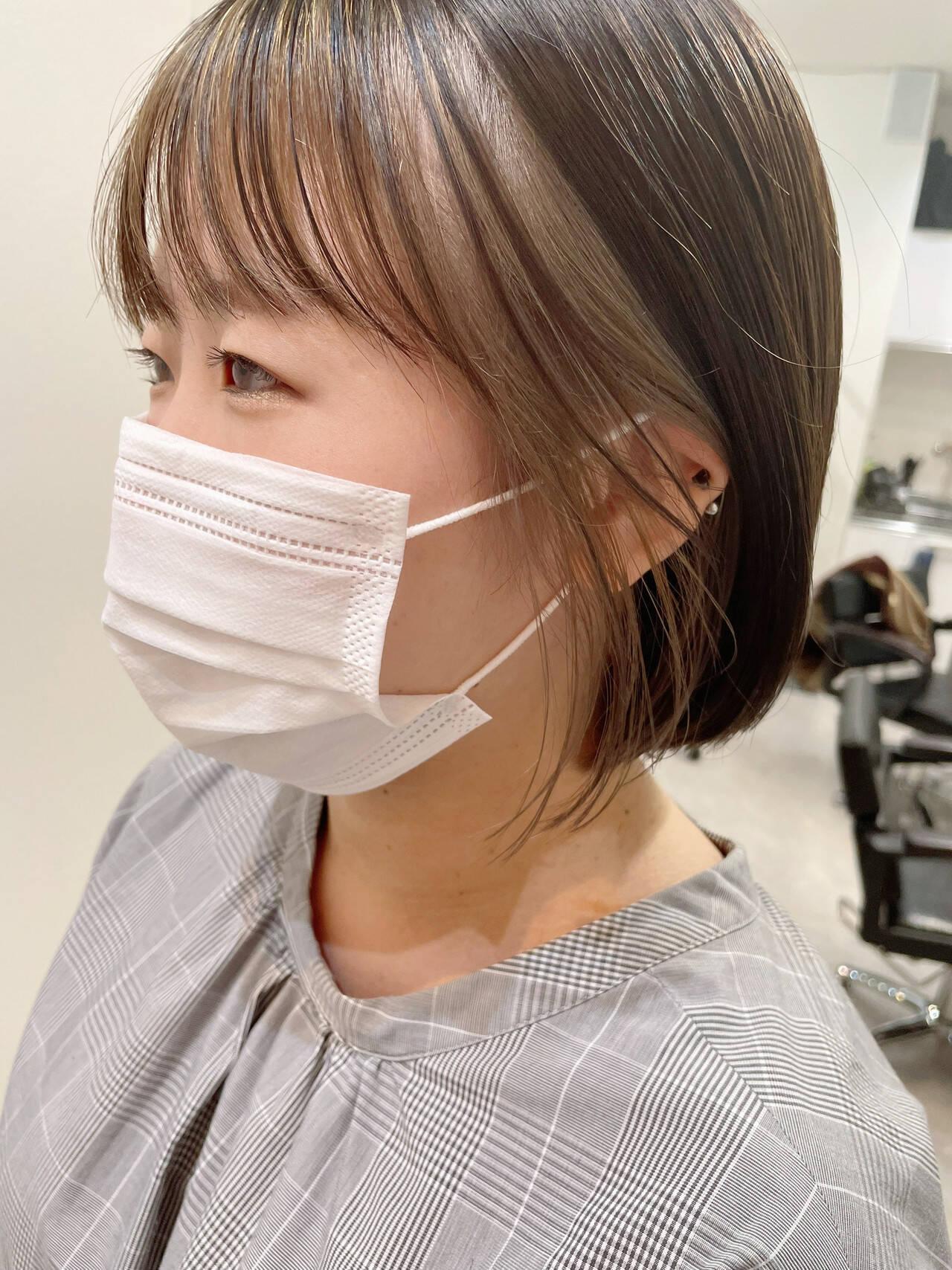 韓国風ヘアー インナーカラーグレージュ 切りっぱなしボブ ナチュラルヘアスタイルや髪型の写真・画像