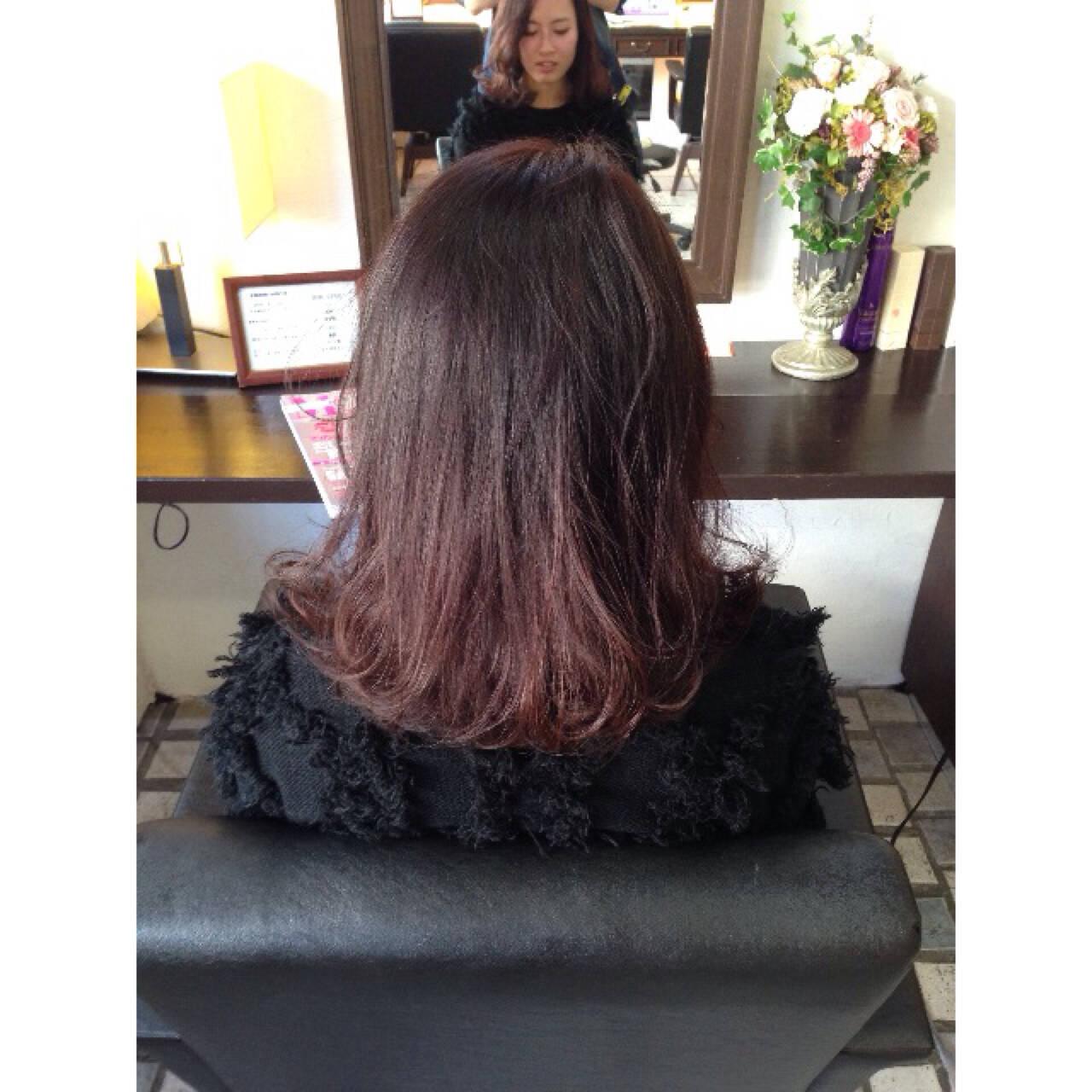 グラデーションカラー ミディアム ゆるふわ 暗髪ヘアスタイルや髪型の写真・画像