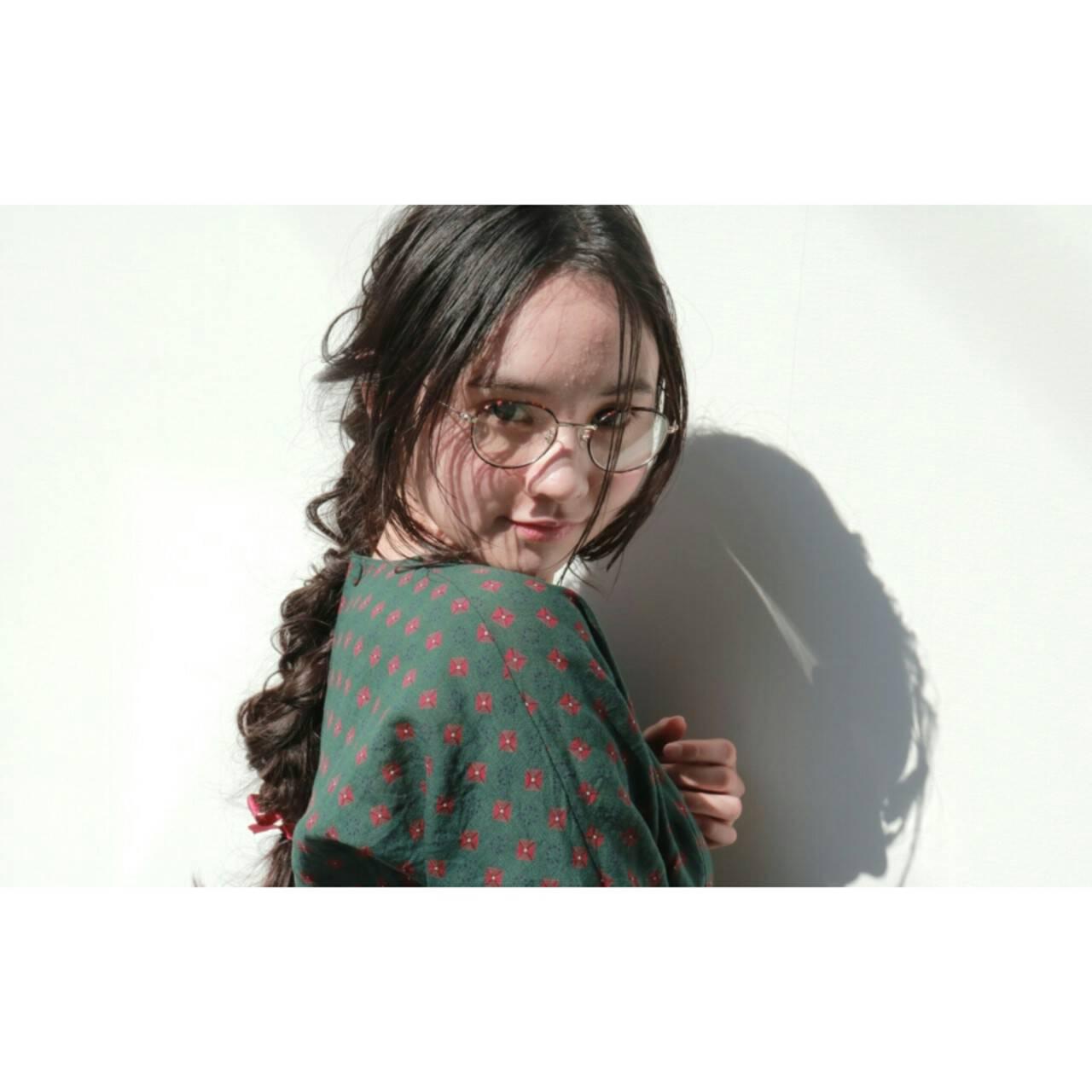小顔 デート ロング 大人女子ヘアスタイルや髪型の写真・画像