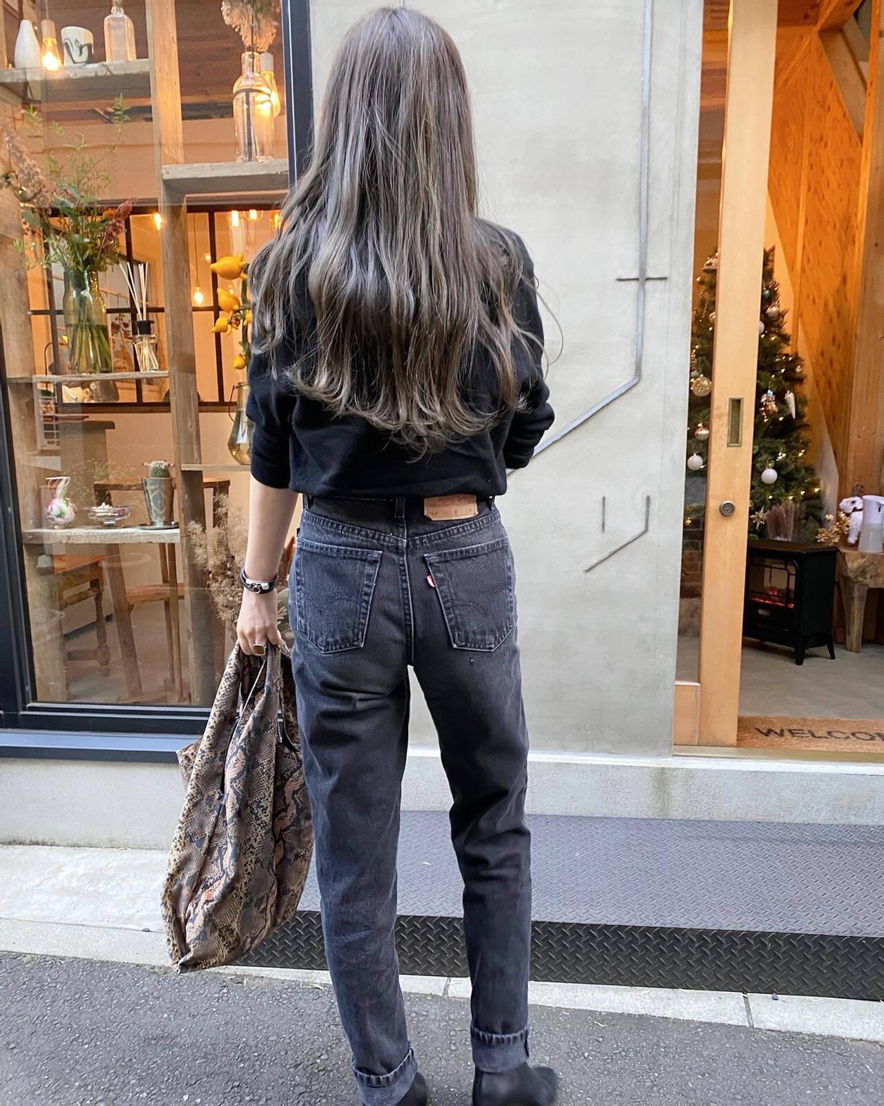 クール 透明感カラー 透明感 ロングヘアスタイルや髪型の写真・画像
