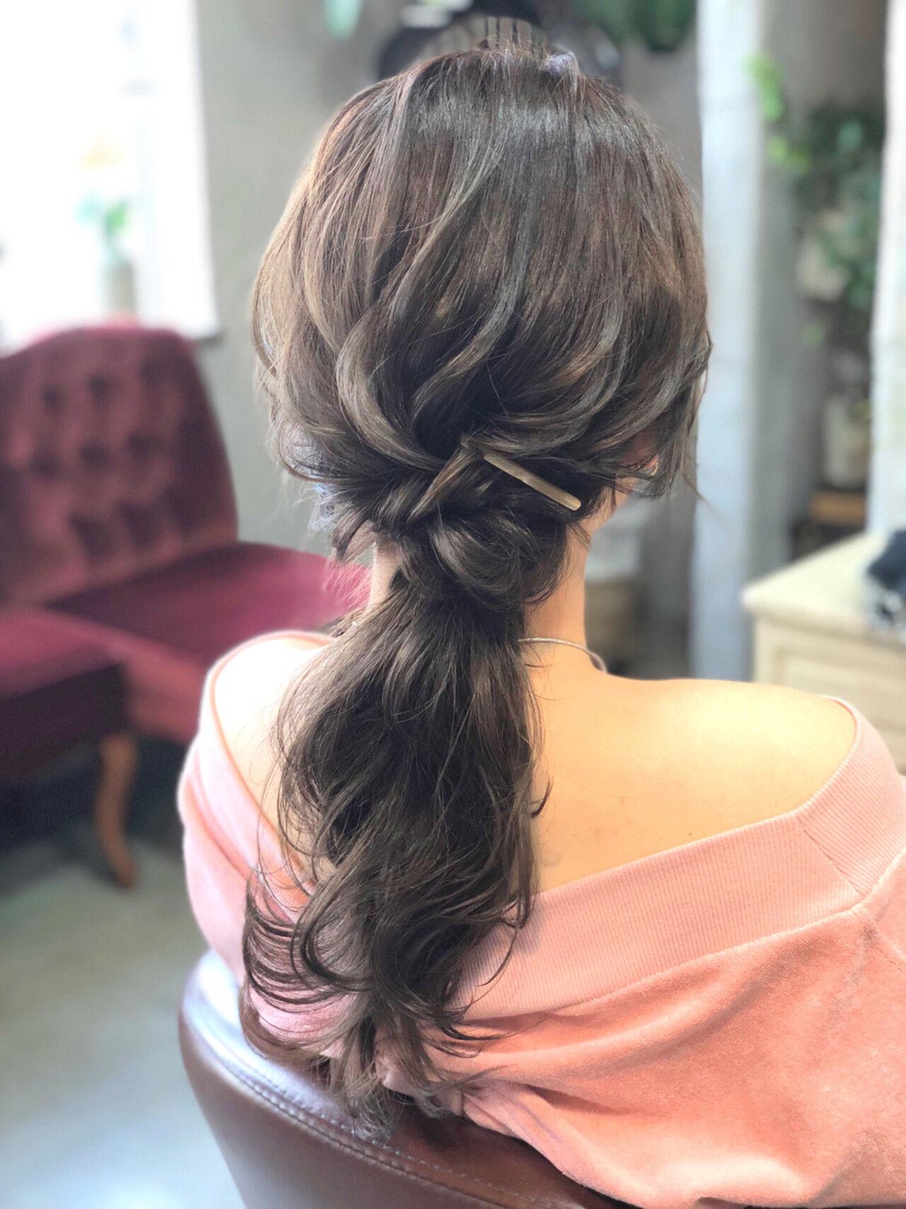 ヘアアレンジ ローポニーテール ロング 簡単ヘアアレンジヘアスタイルや髪型の写真・画像