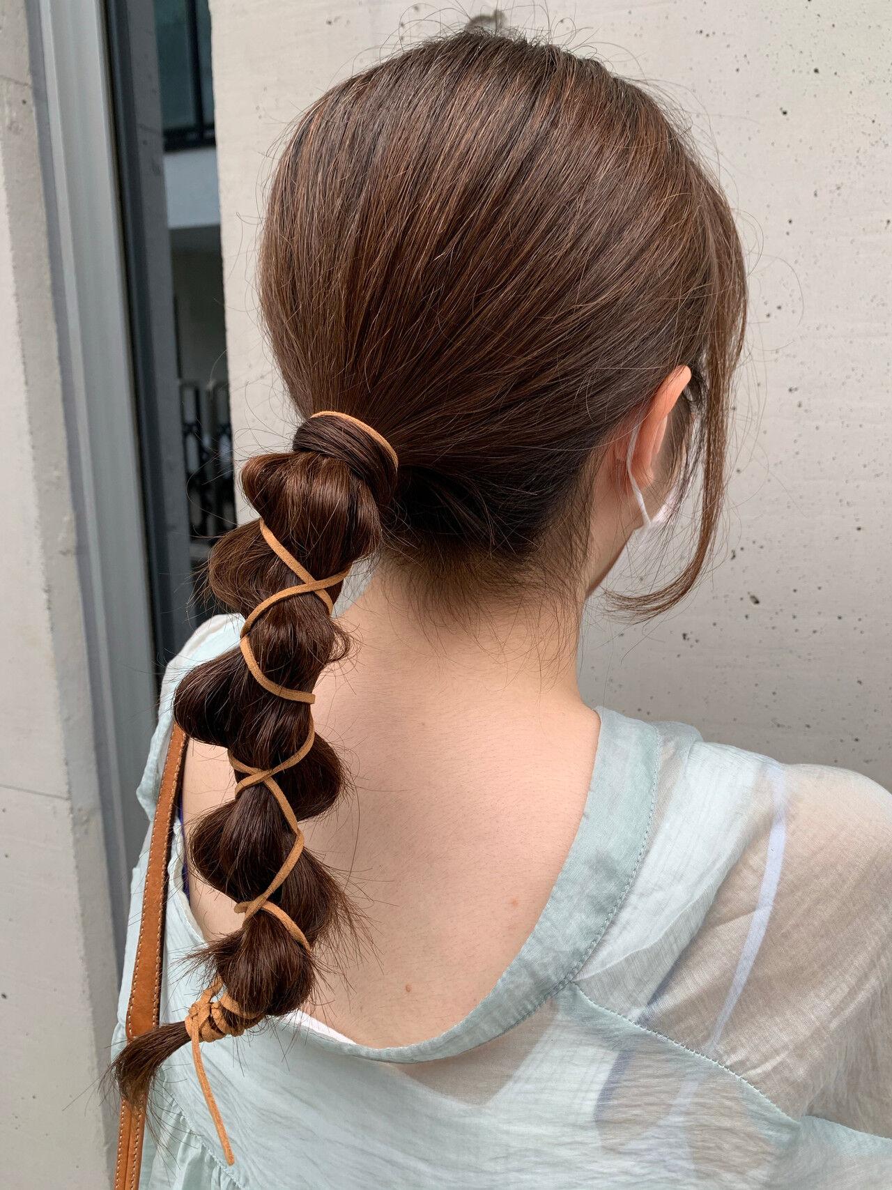 ナチュラル 紐アレンジ セミロング ヘアアレンジヘアスタイルや髪型の写真・画像