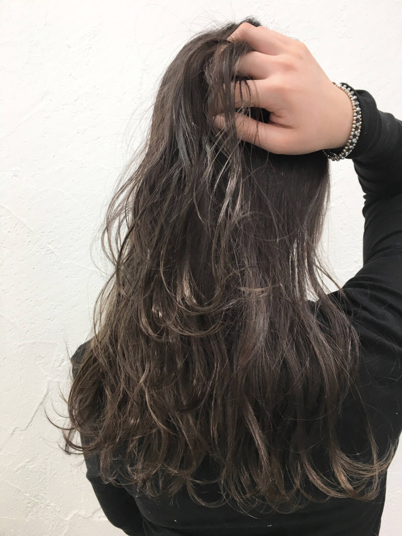 外国人風 前髪あり グレージュ ナチュラルヘアスタイルや髪型の写真・画像