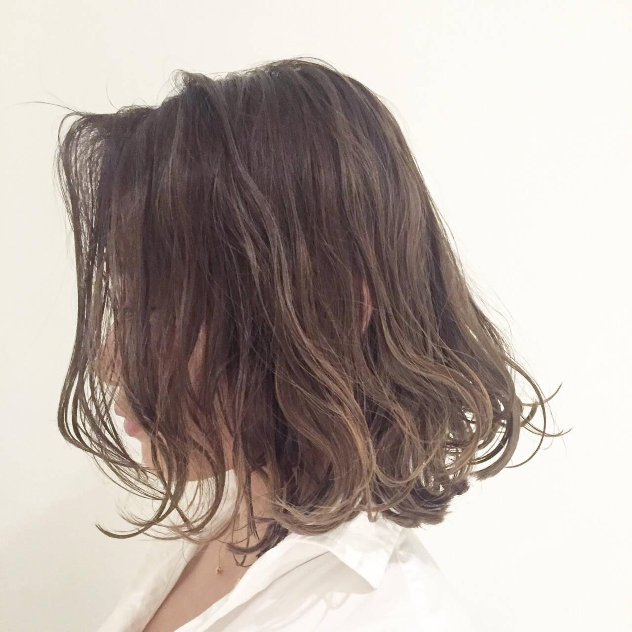 ミディアム ロブ ハイライト 外国人風カラーヘアスタイルや髪型の写真・画像