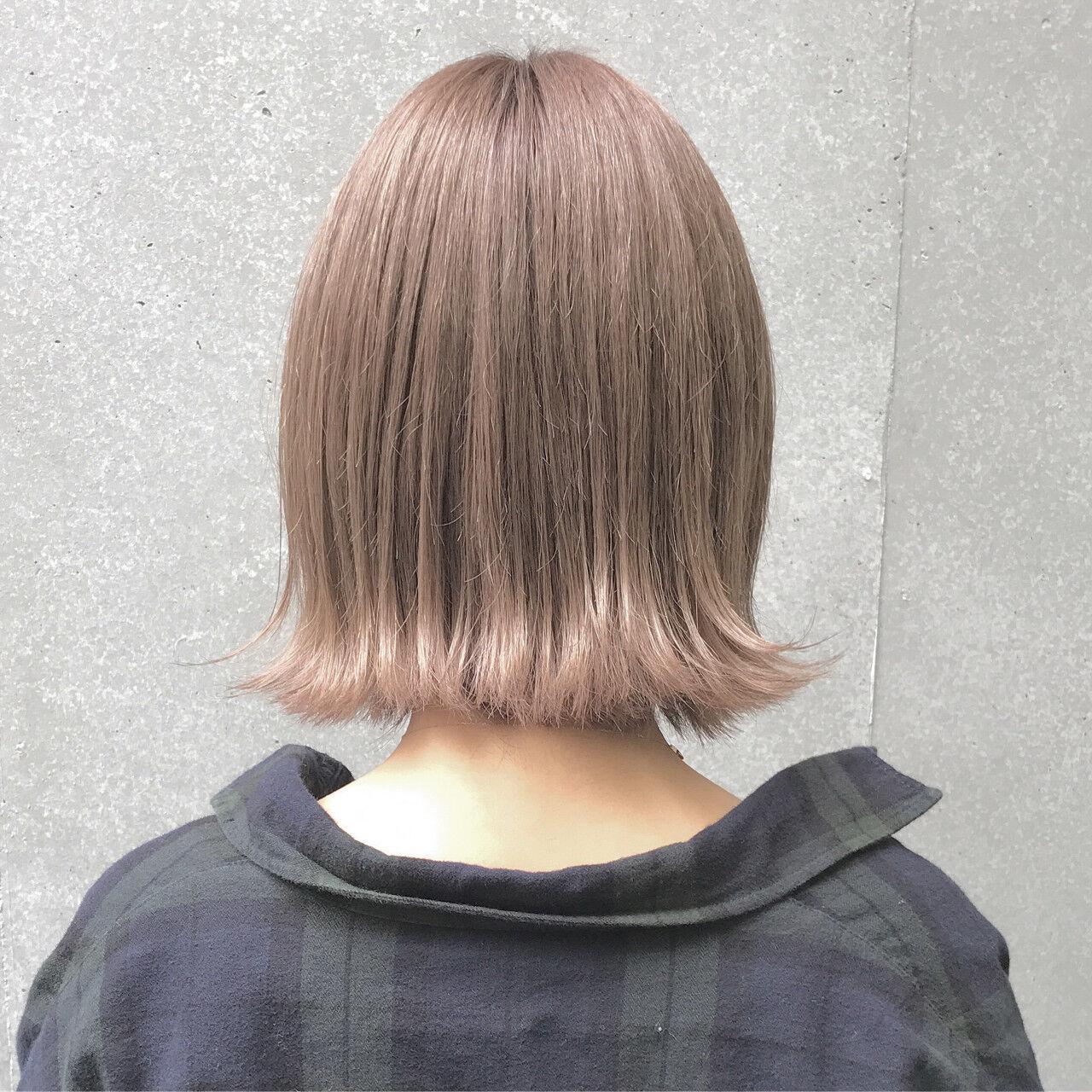 ボブ ベージュ ブリーチ 秋ヘアスタイルや髪型の写真・画像