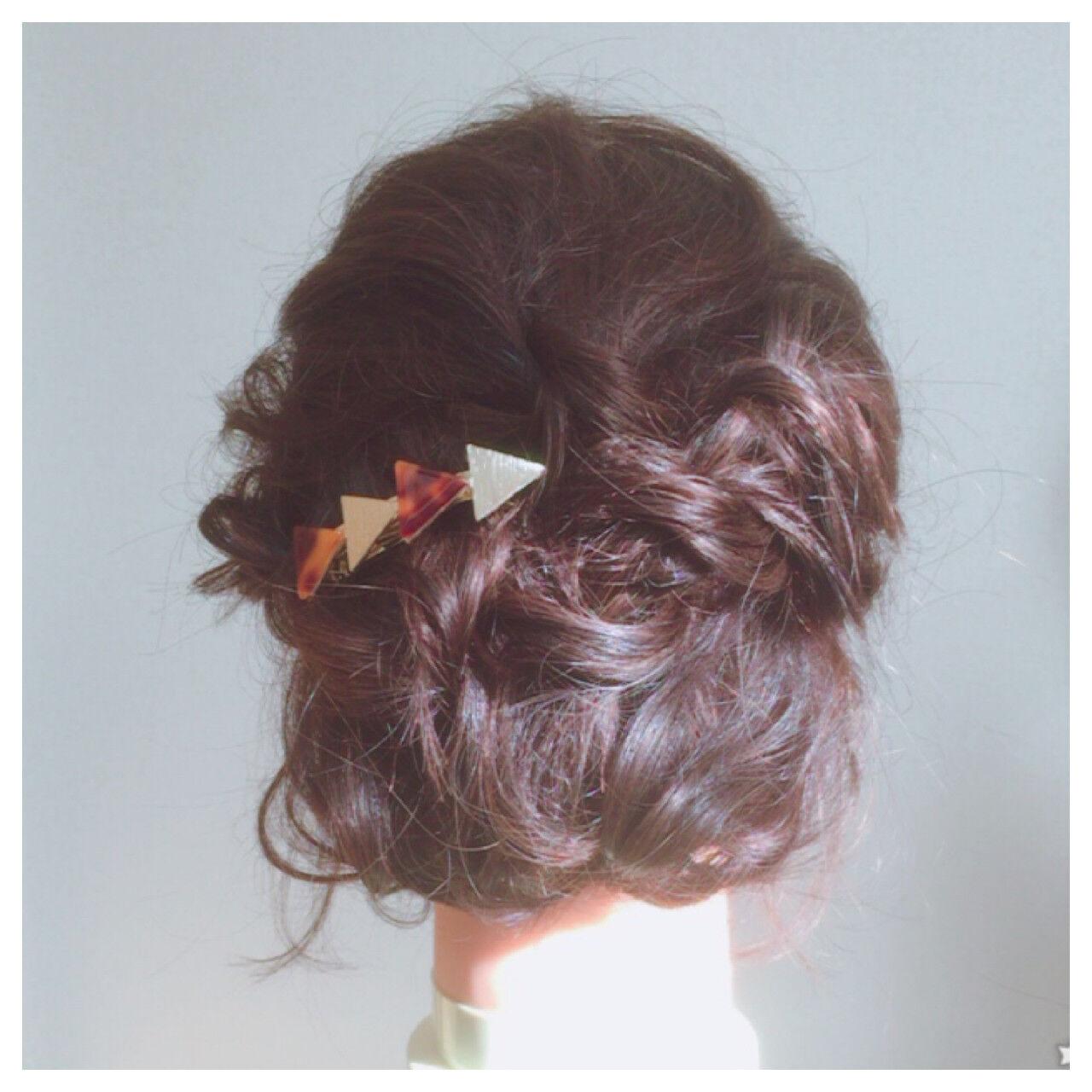 ハイライト ツイスト ヘアアレンジ ミディアムヘアスタイルや髪型の写真・画像