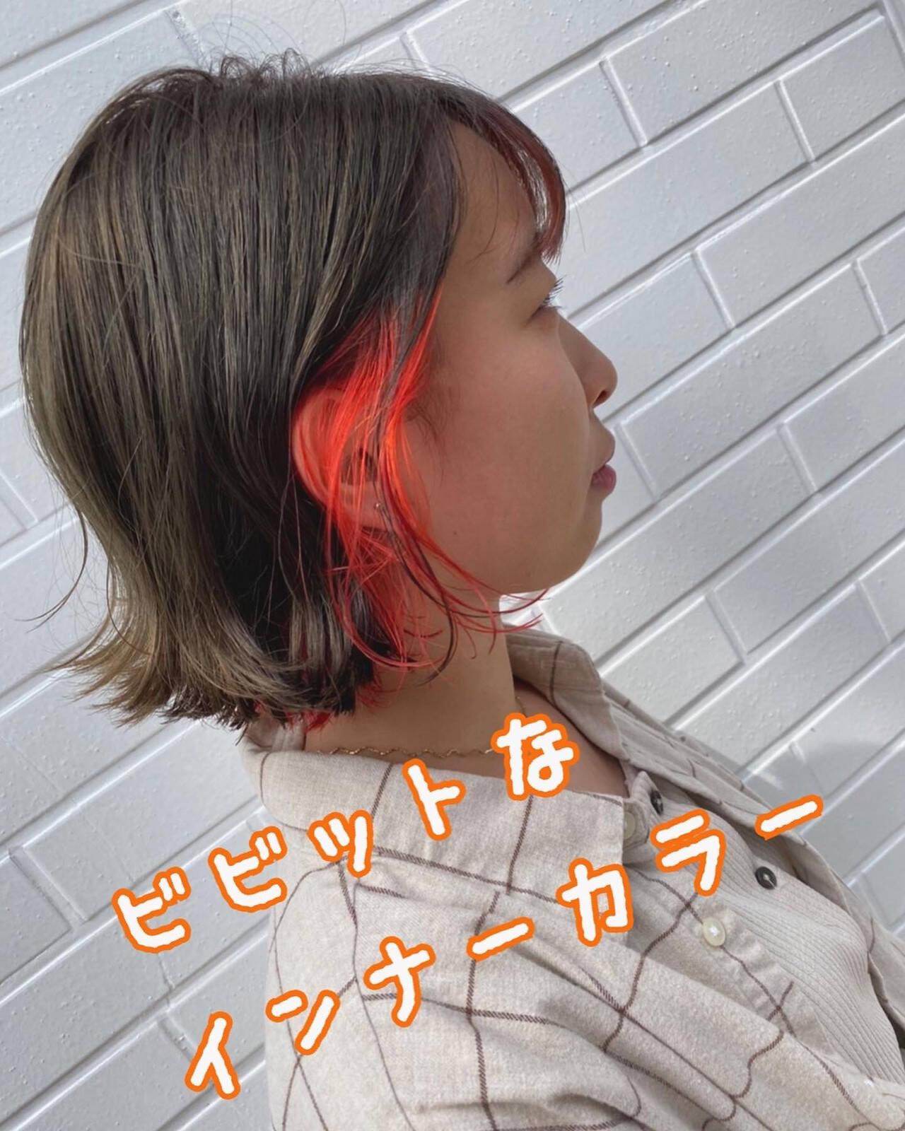 ショートボブ インナーカラー ボブ ガーリーヘアスタイルや髪型の写真・画像