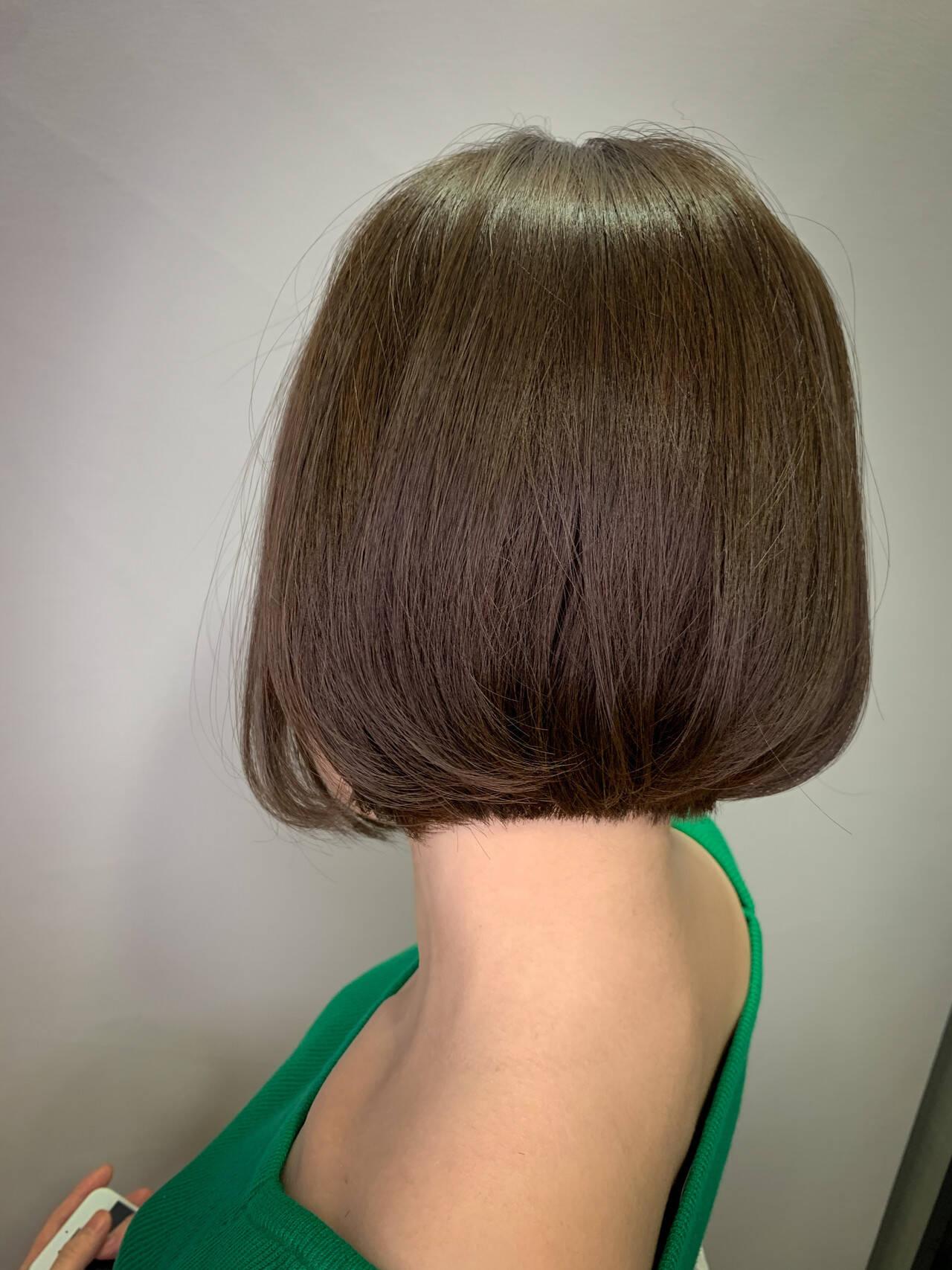 切りっぱなしボブ ショートヘア ナチュラル ミニボブヘアスタイルや髪型の写真・画像