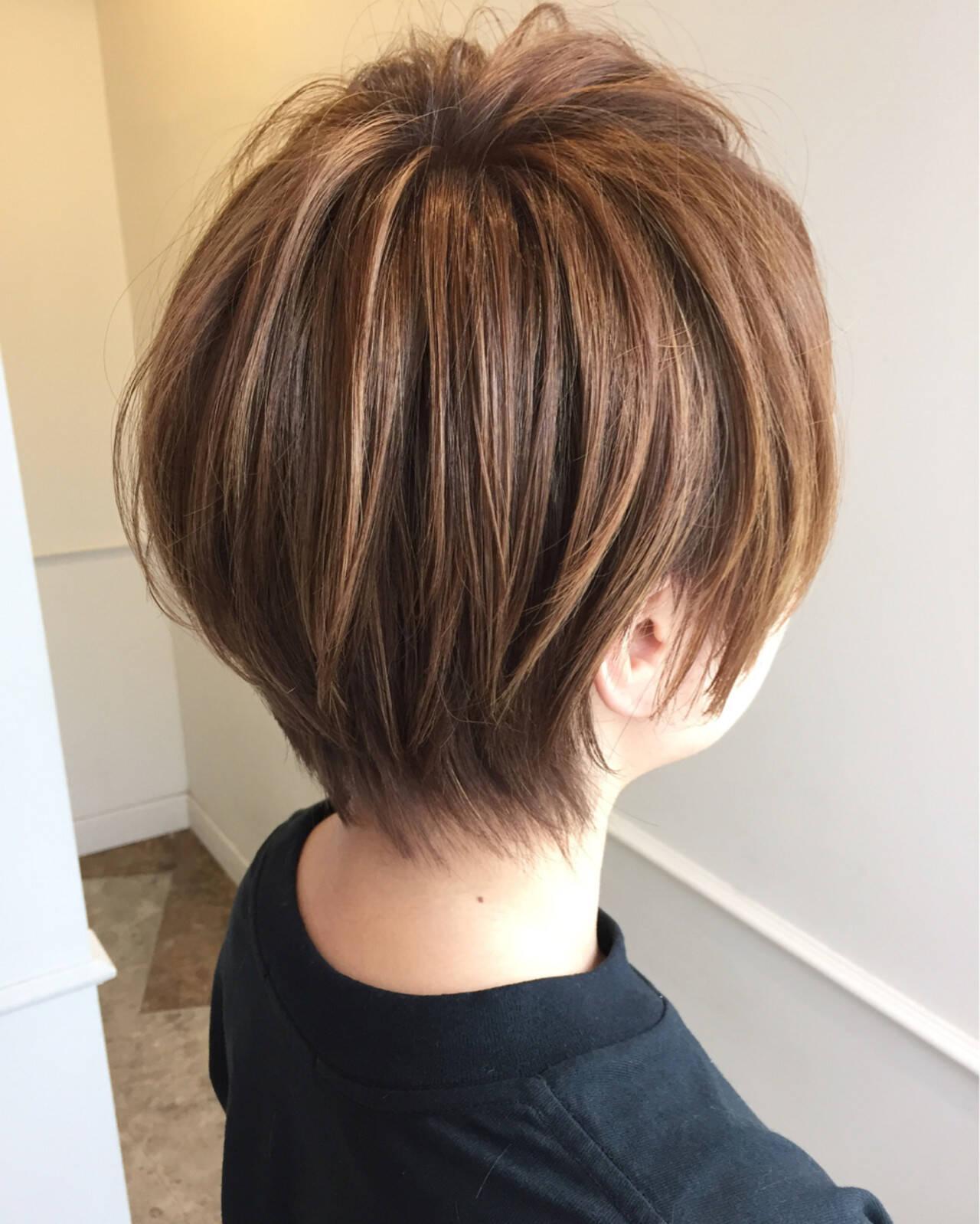 ブラウンベージュ ショート ベージュ ストリートヘアスタイルや髪型の写真・画像