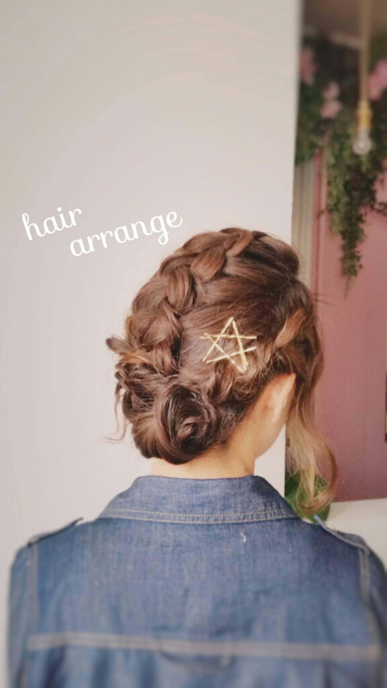 セミロング 簡単ヘアアレンジ ナチュラル ショートヘアスタイルや髪型の写真・画像