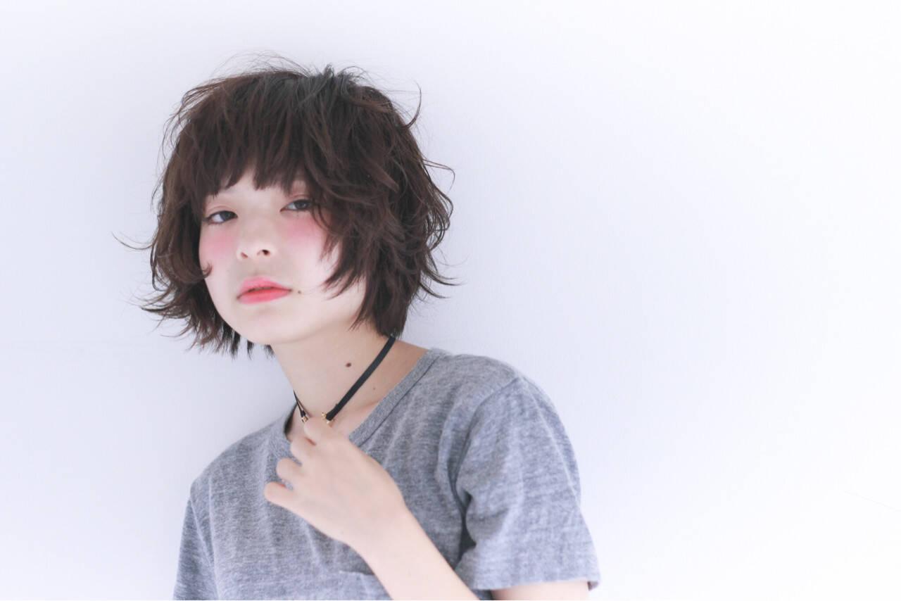ショート 黒髪 パーマ ナチュラルヘアスタイルや髪型の写真・画像