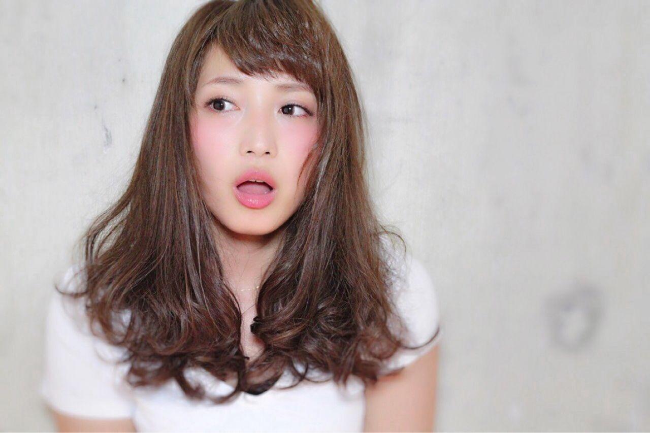 マルサラ シースルーバング ナチュラル セミロングヘアスタイルや髪型の写真・画像