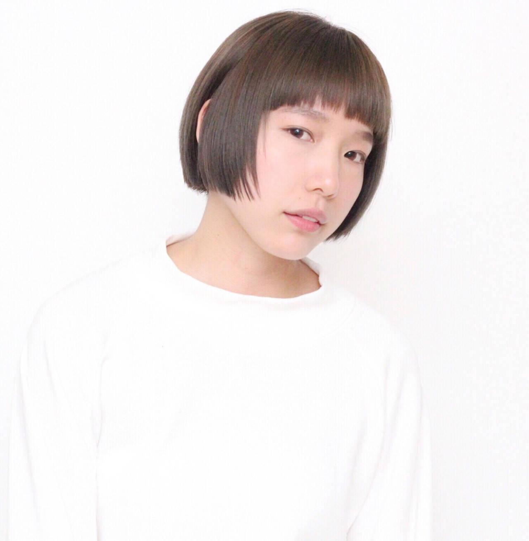 前髪あり アッシュ ハイライト ナチュラルヘアスタイルや髪型の写真・画像