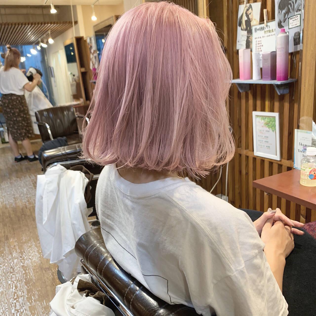 ピンク バレイヤージュ 結婚式 フェミニンヘアスタイルや髪型の写真・画像