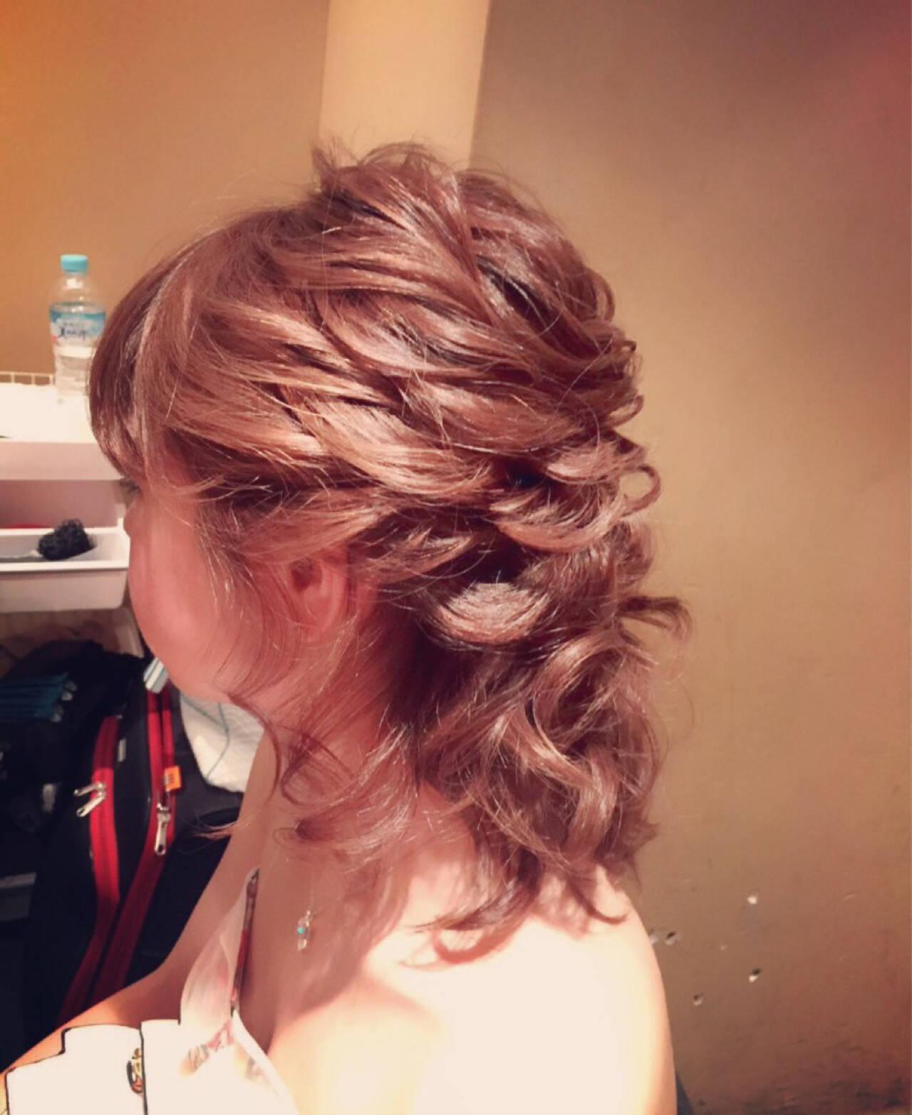 ミディアム ブライダル 簡単ヘアアレンジ 編み込みヘアスタイルや髪型の写真・画像