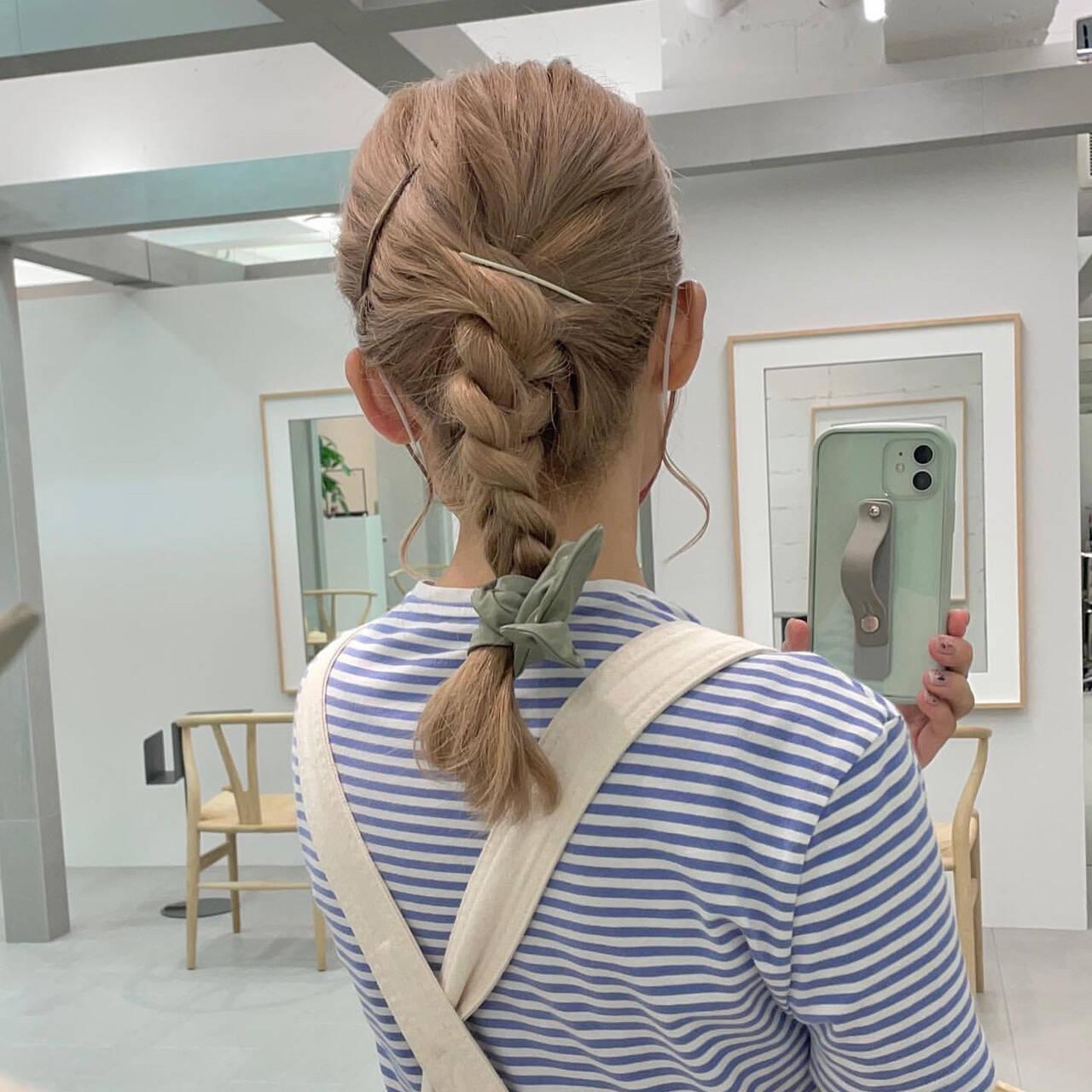 セミロング 編みおろしヘア ストリート ポニーテールアレンジヘアスタイルや髪型の写真・画像