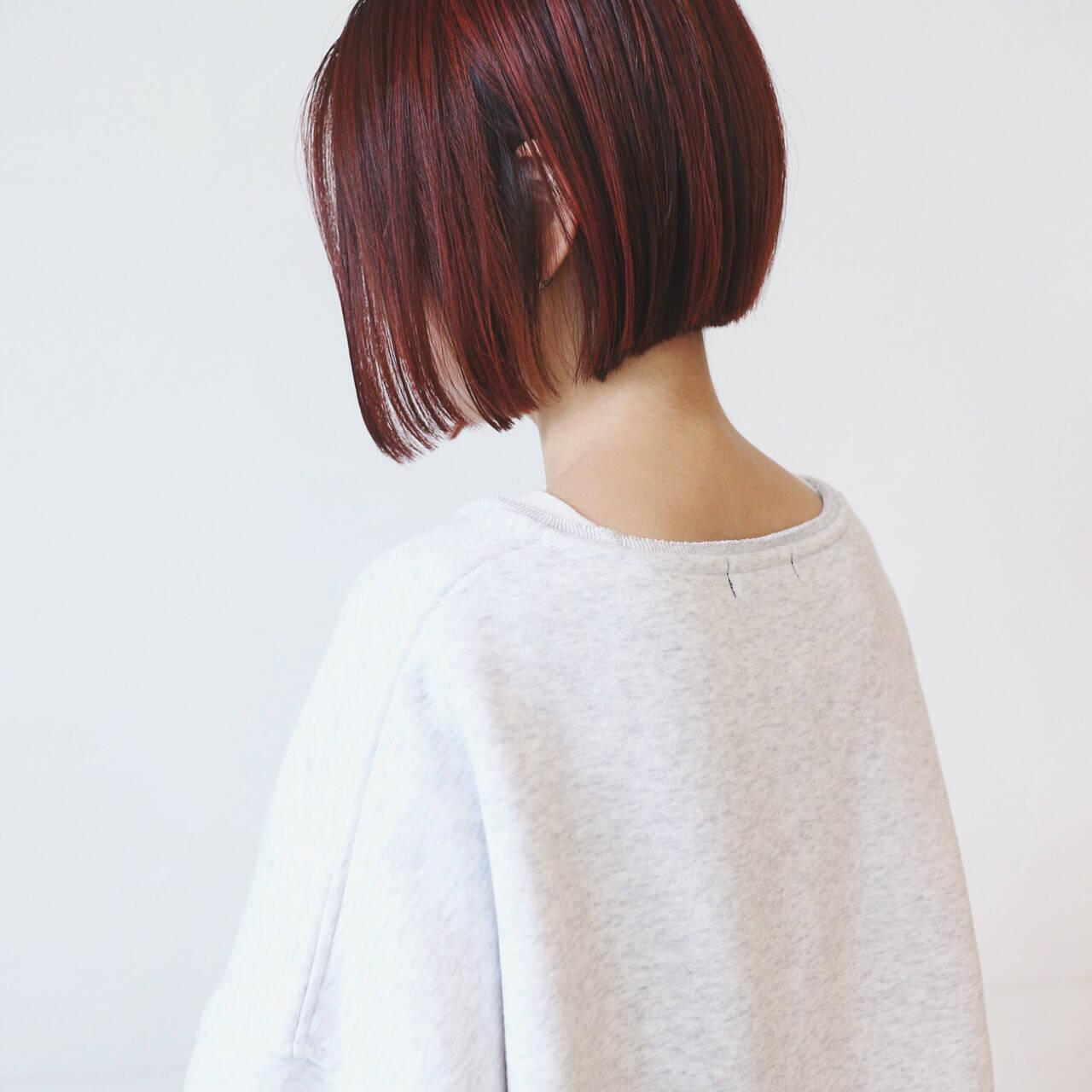 前下がりボブ 切りっぱなしボブ ハイライト 前下がりヘアスタイルや髪型の写真・画像