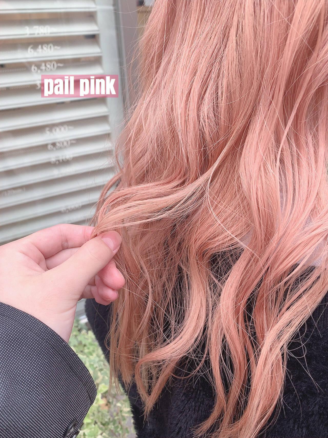 ロング ピンクベージュ ピンク ガーリーヘアスタイルや髪型の写真・画像