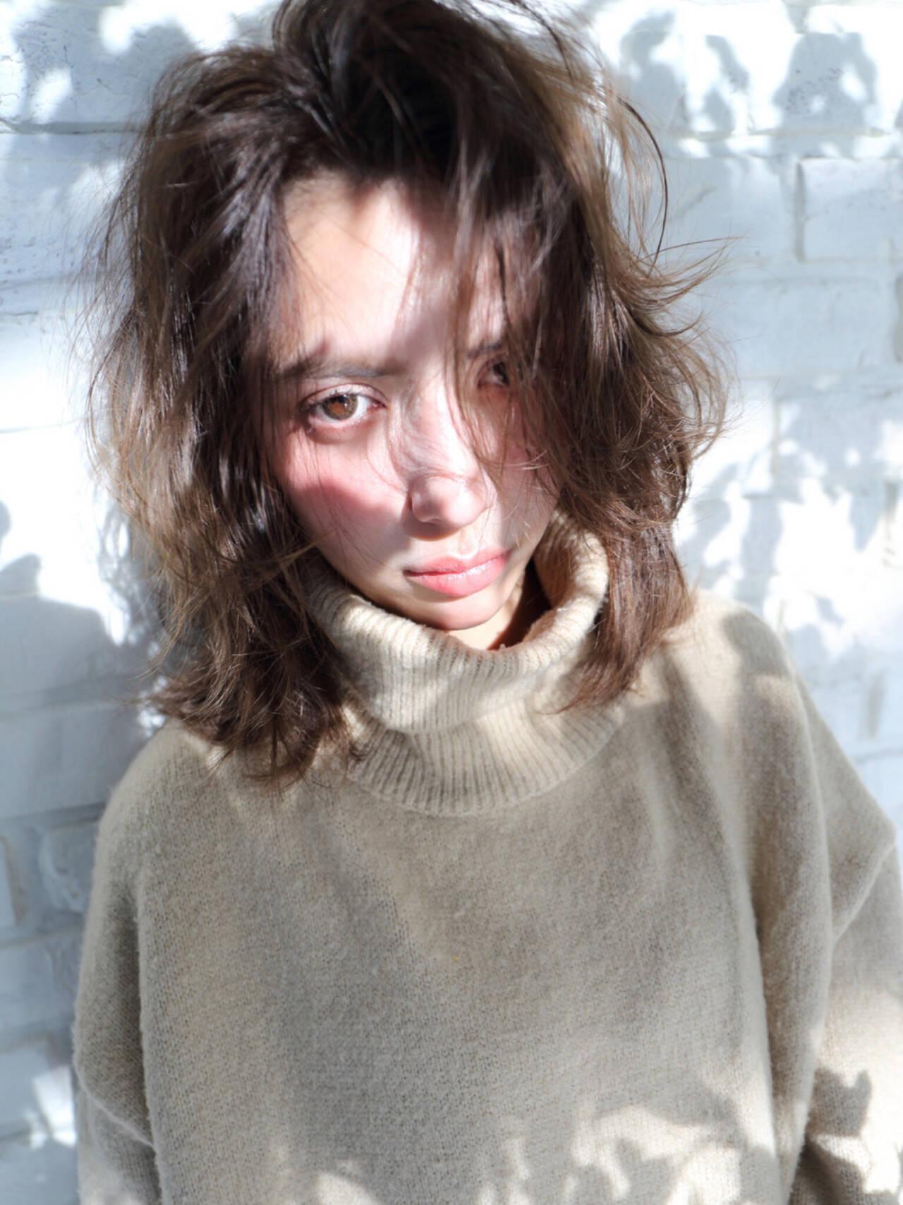 アッシュ ゆるふわ ガーリー ミディアムヘアスタイルや髪型の写真・画像