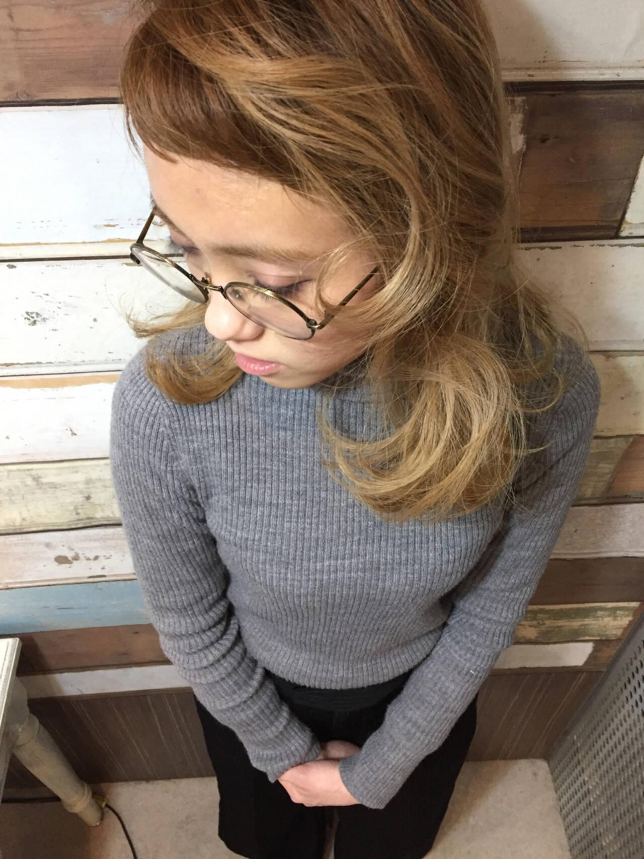 ストリート ミディアム フェミニン 大人女子ヘアスタイルや髪型の写真・画像