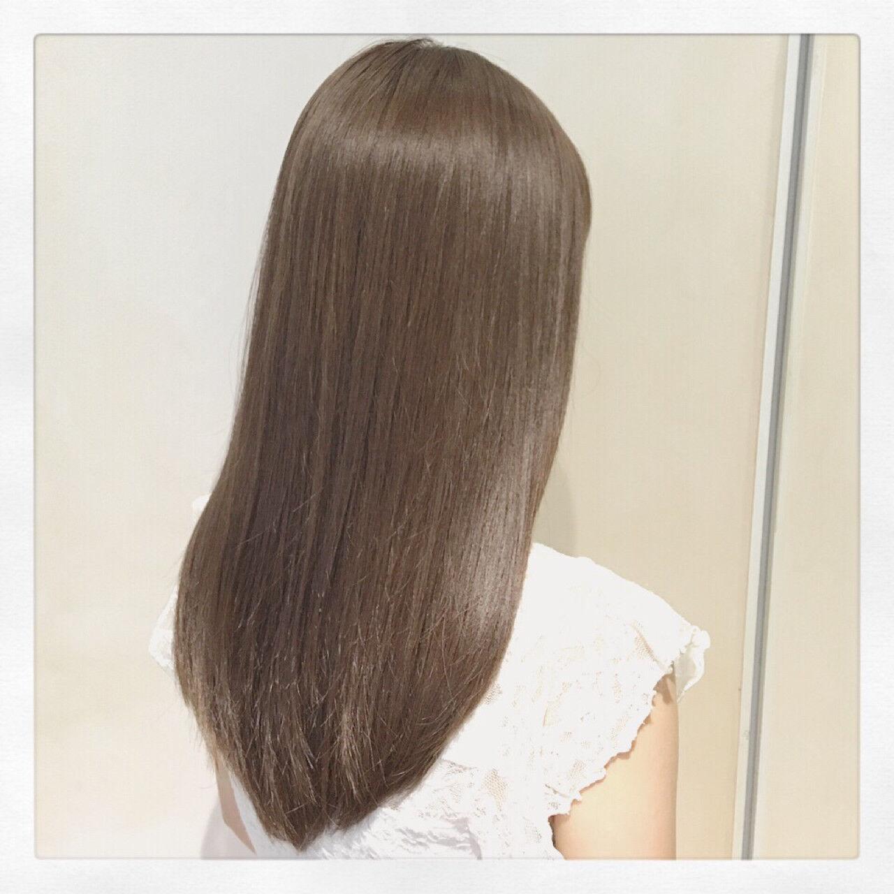 フェミニン コンサバ アッシュ ハイライトヘアスタイルや髪型の写真・画像