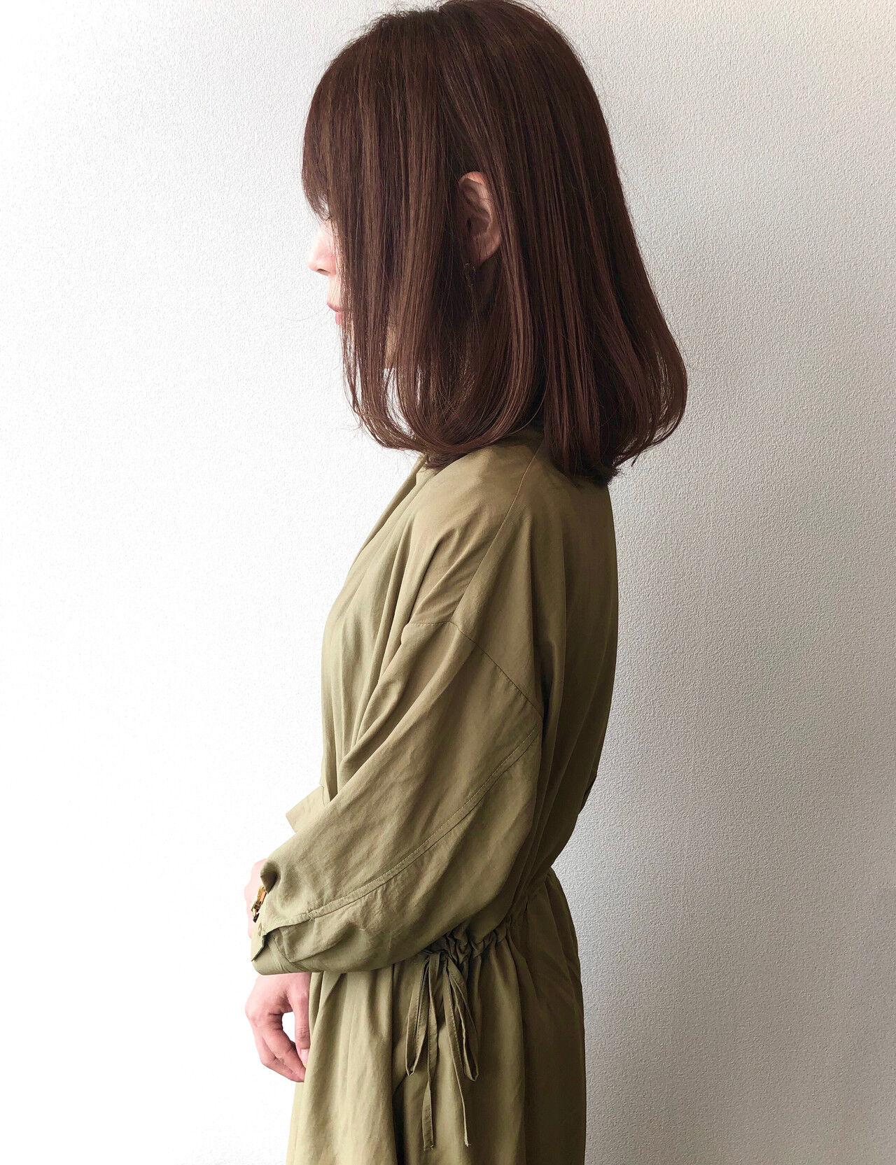 アッシュブラウン 大人女子 セミロング 大人ヘアスタイルヘアスタイルや髪型の写真・画像