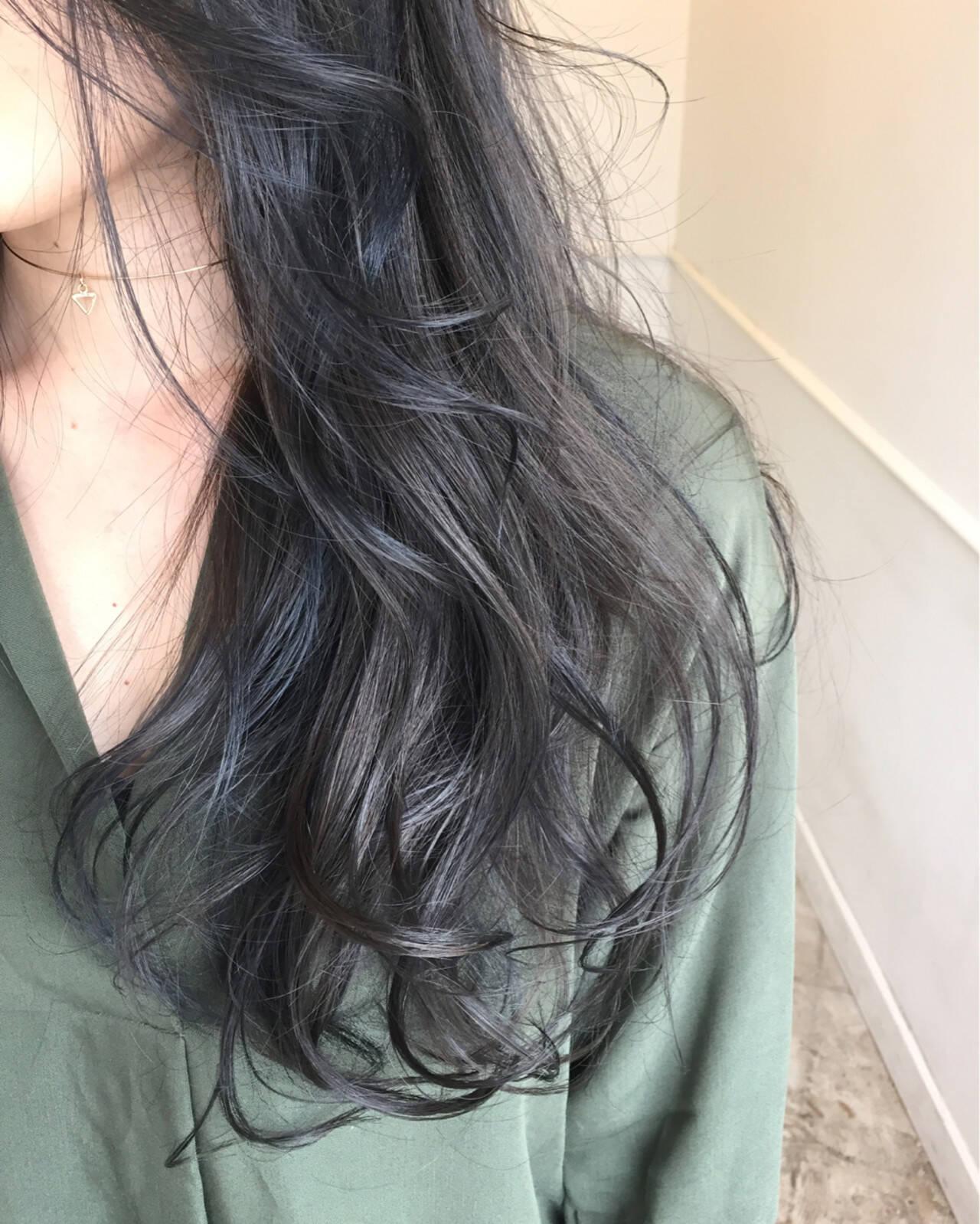 ロング 暗髪 秋 ナチュラルヘアスタイルや髪型の写真・画像
