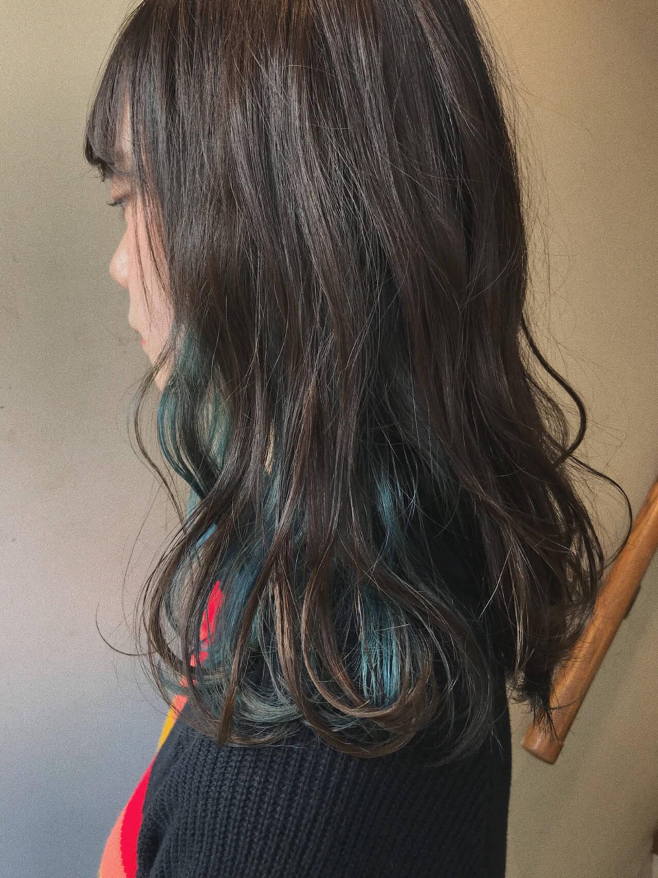 外国人風 インナーカラー ゆるふわ ウェーブヘアスタイルや髪型の写真・画像