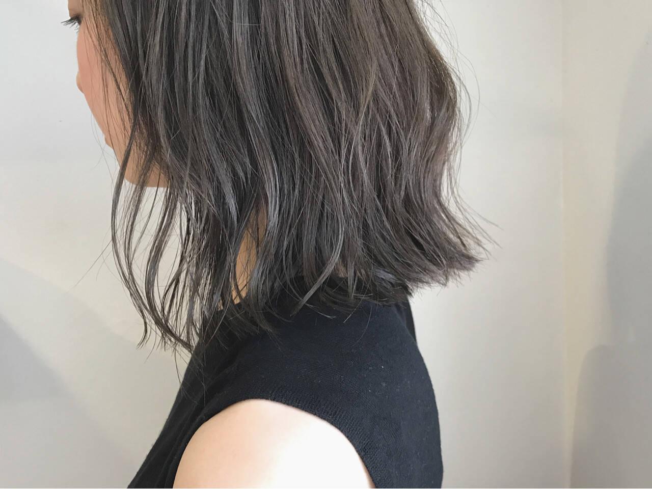 秋 切りっぱなし 外ハネ ロブヘアスタイルや髪型の写真・画像