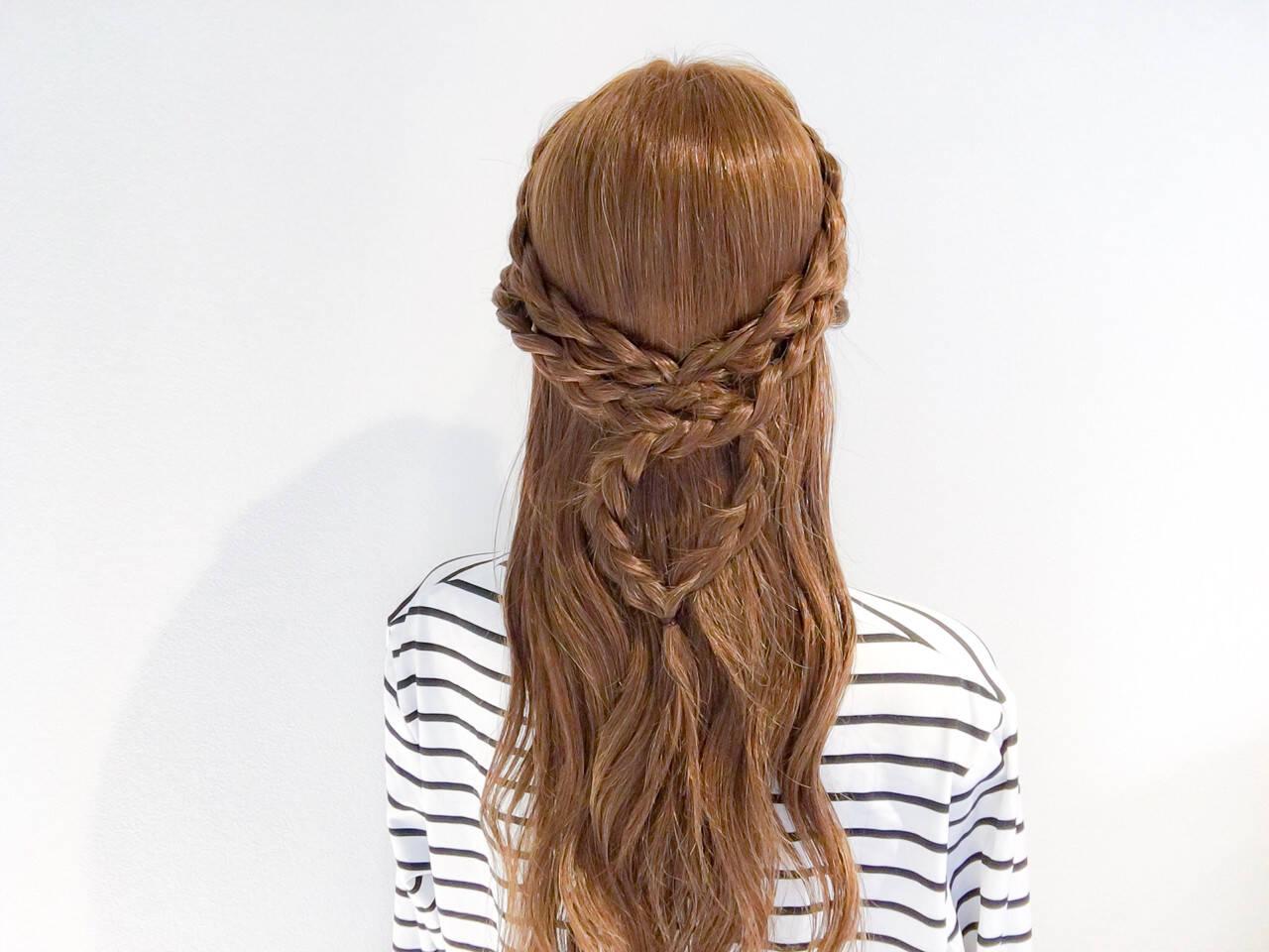 アウトドア ハーフアップ 三つ編み 大人女子ヘアスタイルや髪型の写真・画像