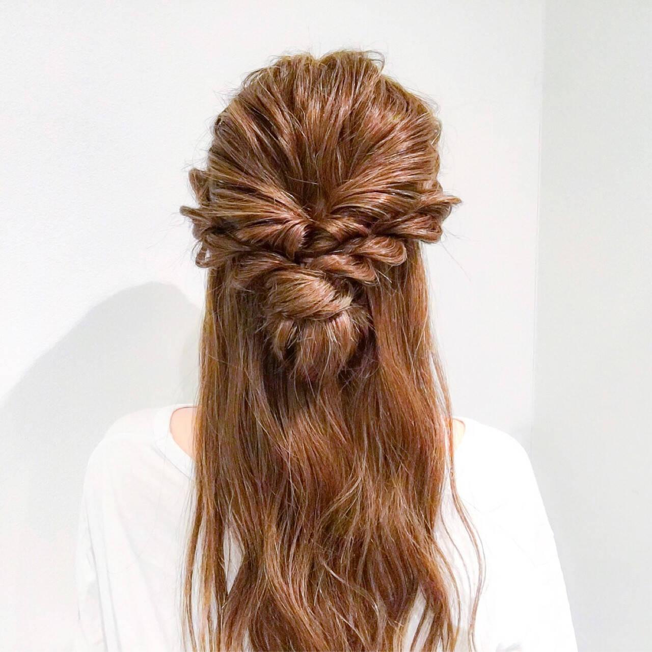 フェミニン 結婚式 謝恩会 簡単ヘアアレンジヘアスタイルや髪型の写真・画像