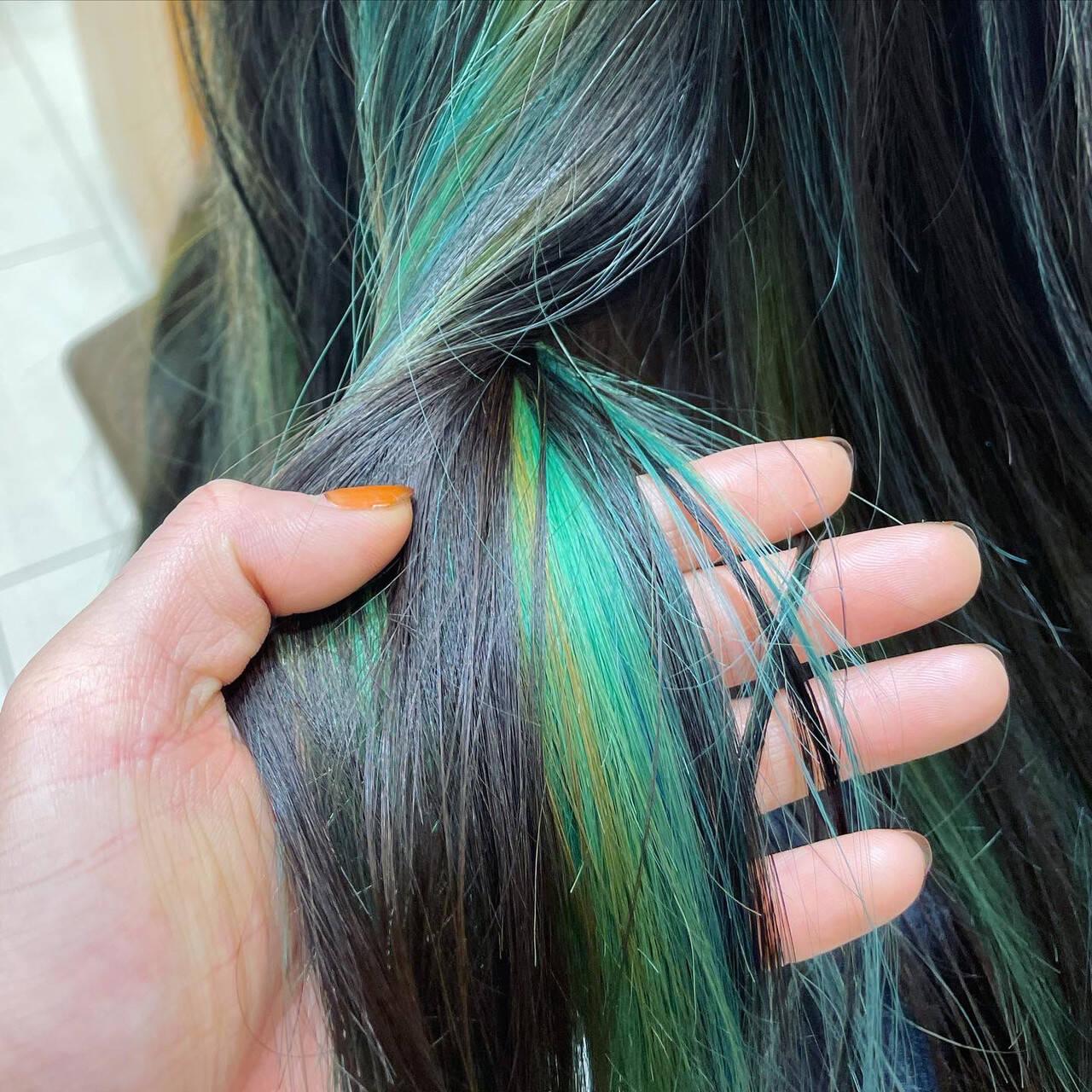 ストレート ブリーチカラー ロング インナーカラーヘアスタイルや髪型の写真・画像