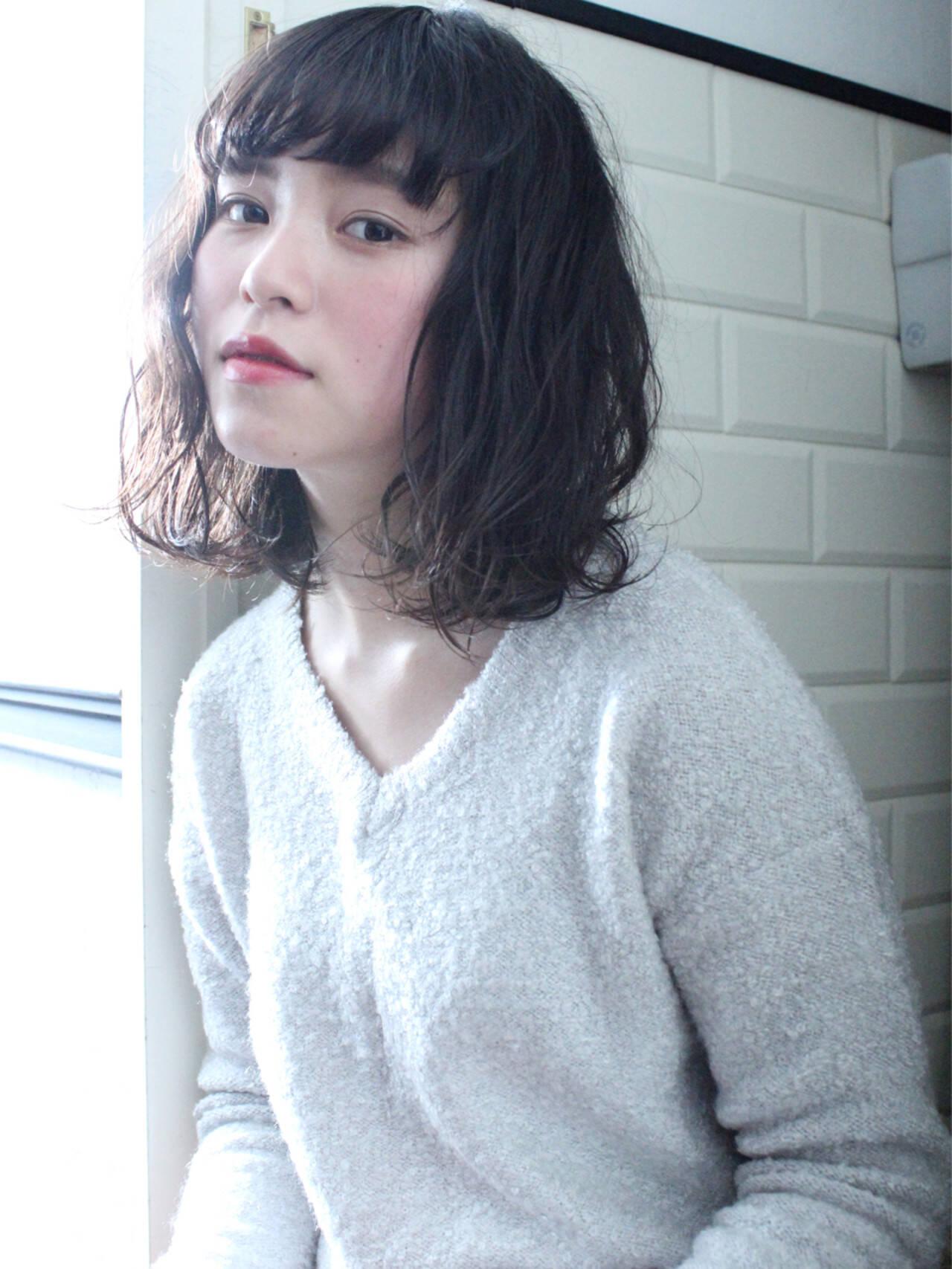 アッシュ 小顔 ナチュラル ニュアンスヘアスタイルや髪型の写真・画像