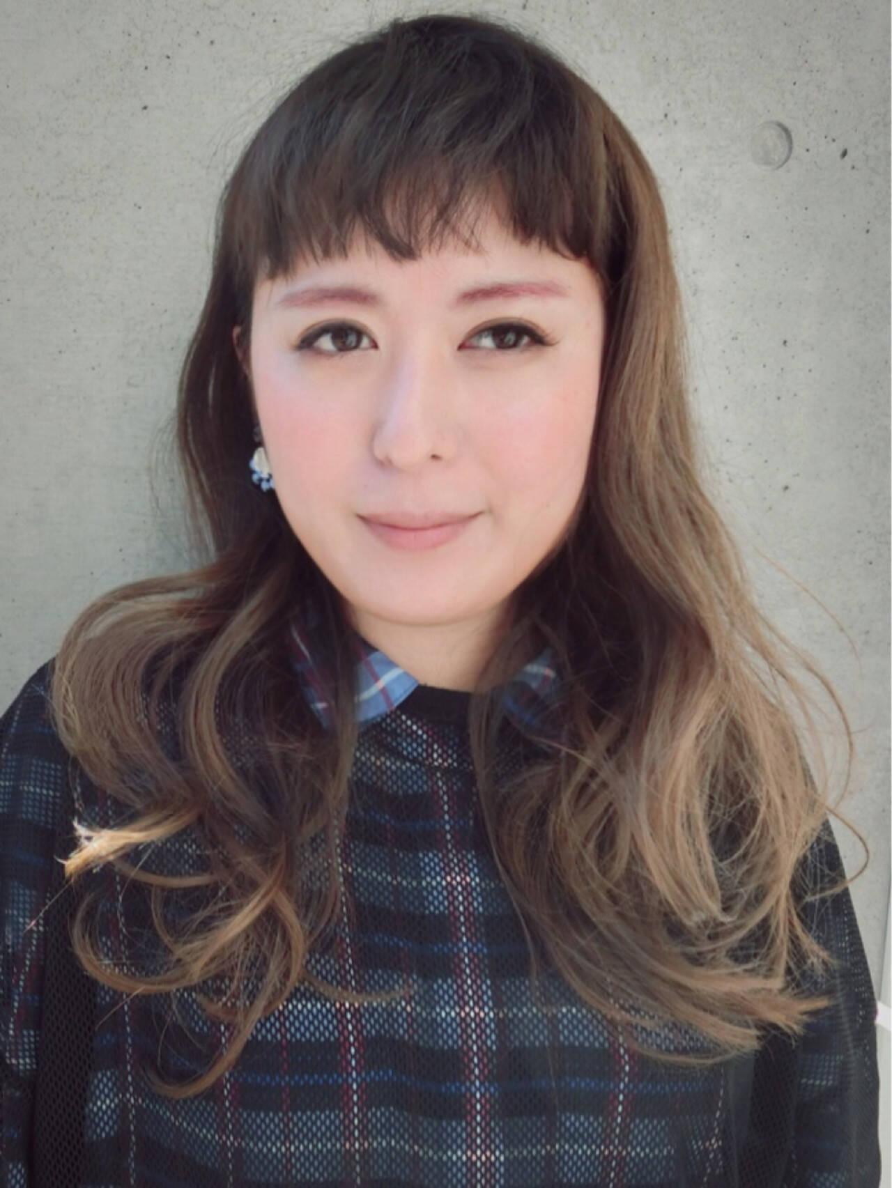ミルクティー 透明感 ロング アッシュヘアスタイルや髪型の写真・画像