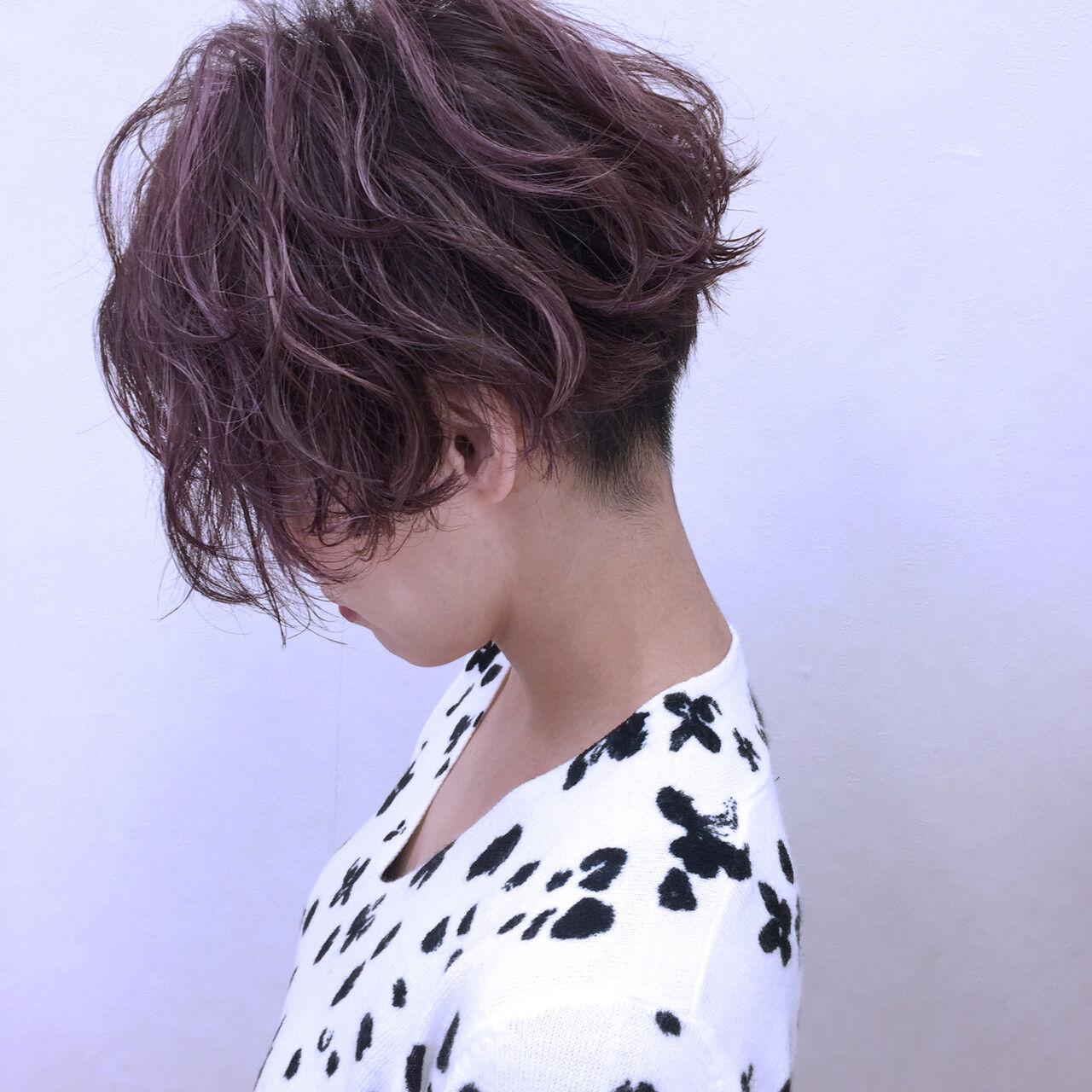 ハイライト ショート パーマ ストリートヘアスタイルや髪型の写真・画像