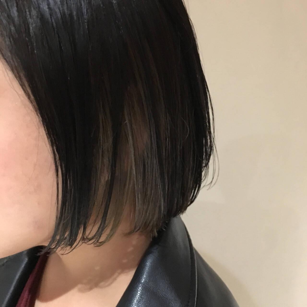 アッシュグレー モード インナーカラー アッシュグレージュヘアスタイルや髪型の写真・画像