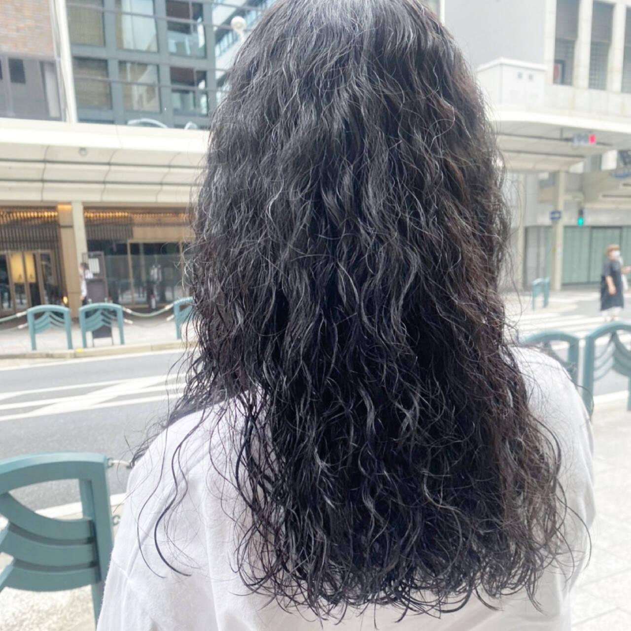 ナチュラル デジタルパーマ ゆるふわパーマ スパイラルパーマヘアスタイルや髪型の写真・画像