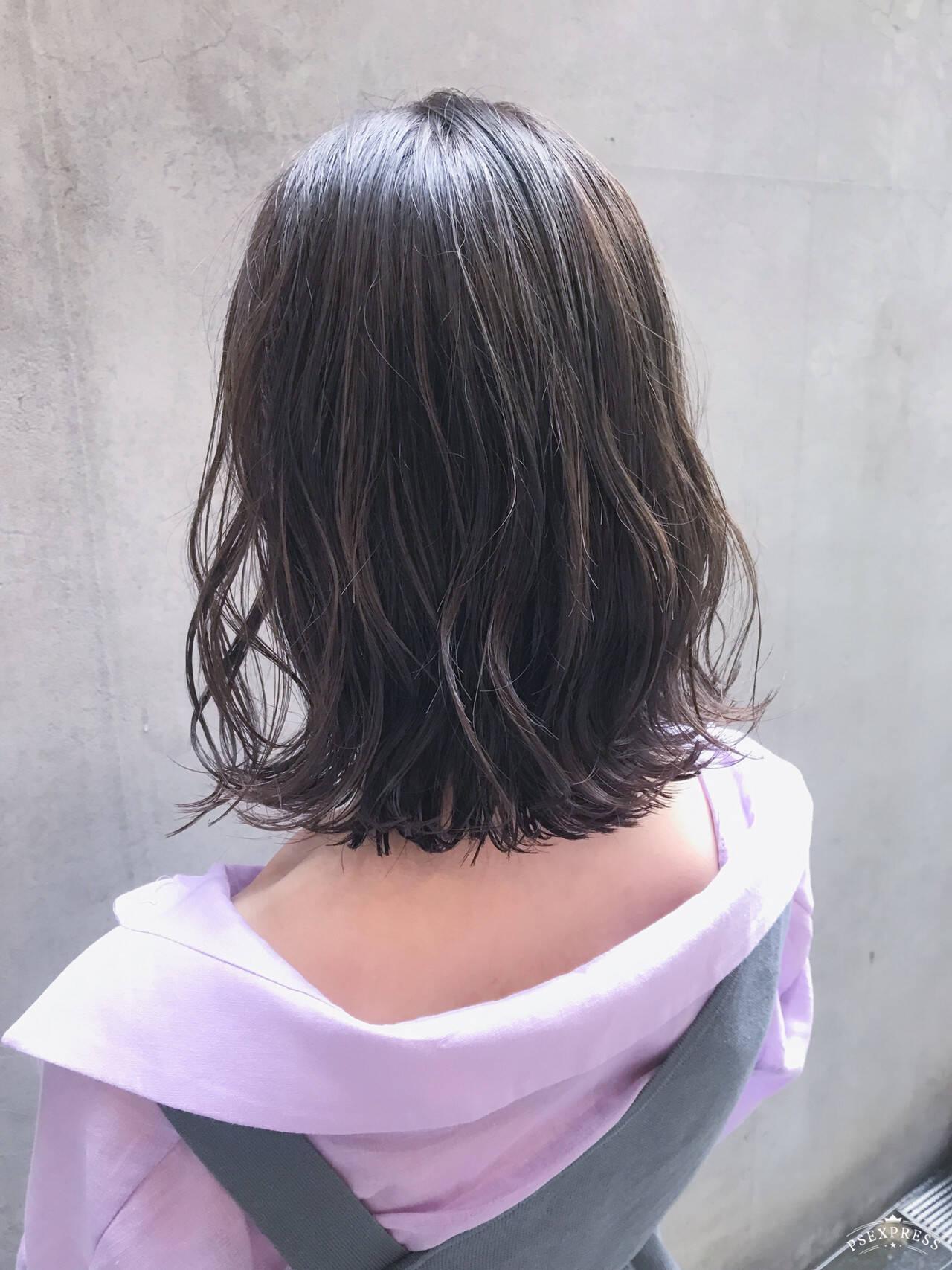 外ハネボブ 切りっぱなしボブ 大人かわいい ボブヘアスタイルや髪型の写真・画像