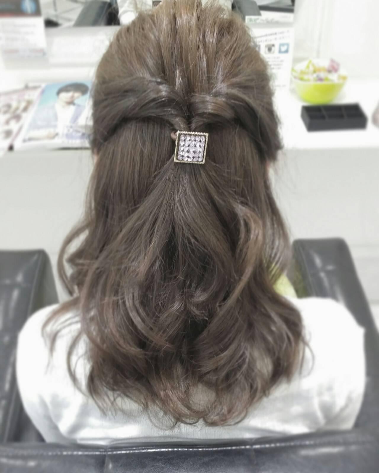 ショート ミディアム イルミナカラー 編み込みヘアスタイルや髪型の写真・画像