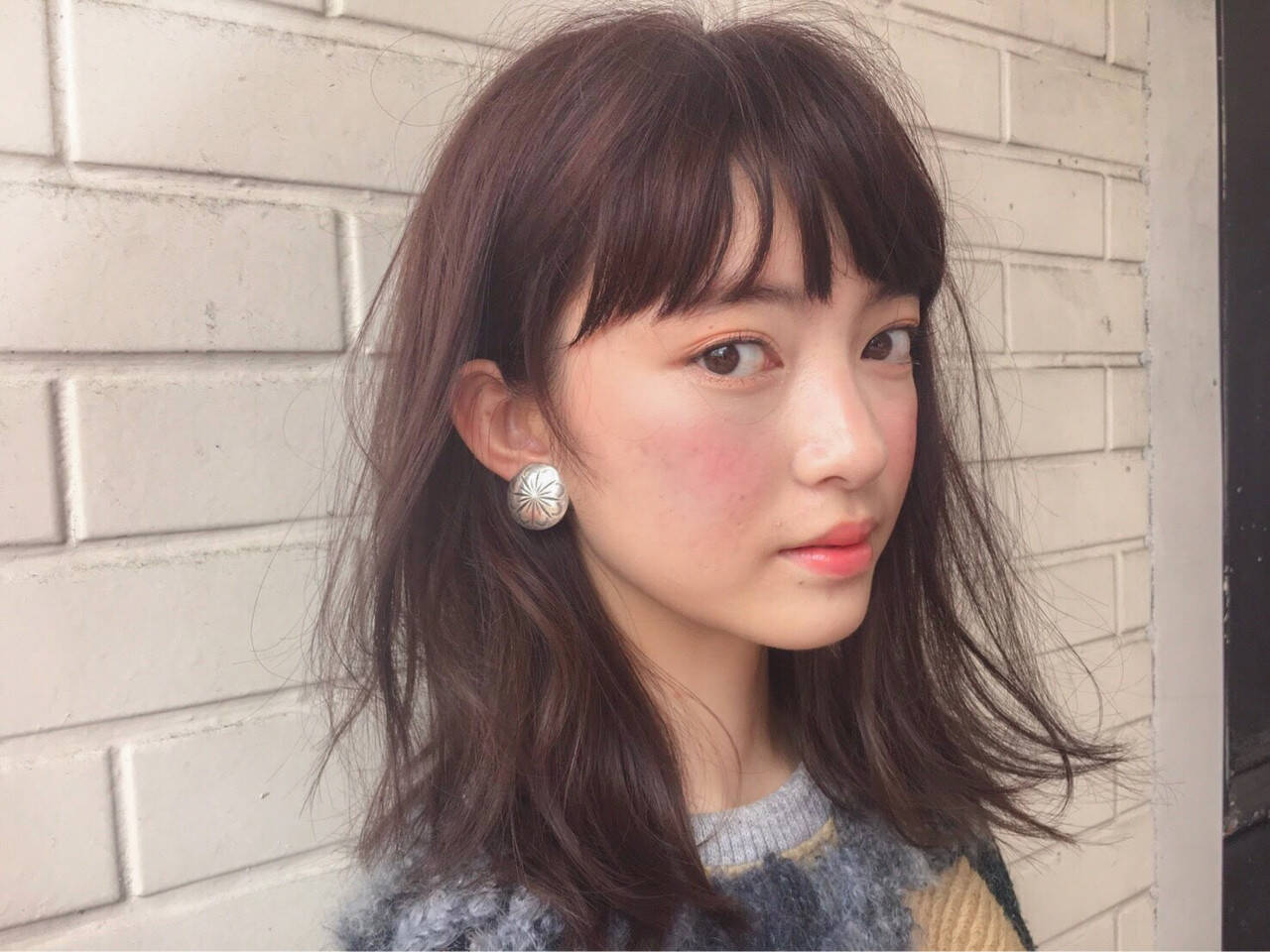 パーマ インナーカラー ミディアム モードヘアスタイルや髪型の写真・画像